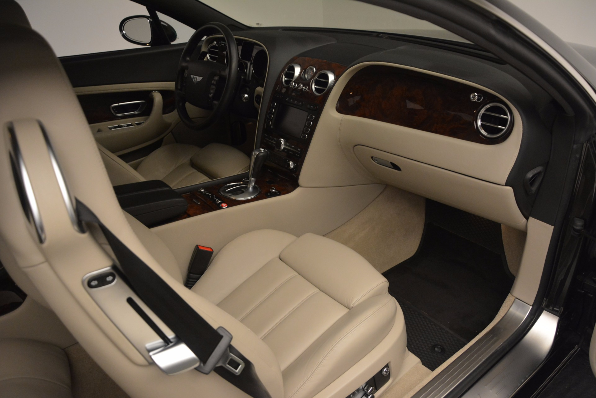 Used 2005 Bentley Continental GT W12 For Sale In Westport, CT 1677_p27