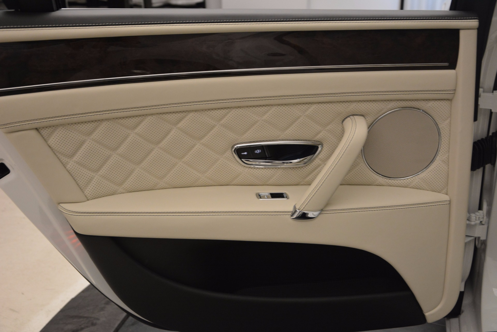 New 2017 Bentley Flying Spur W12 For Sale In Westport, CT 1712_p31