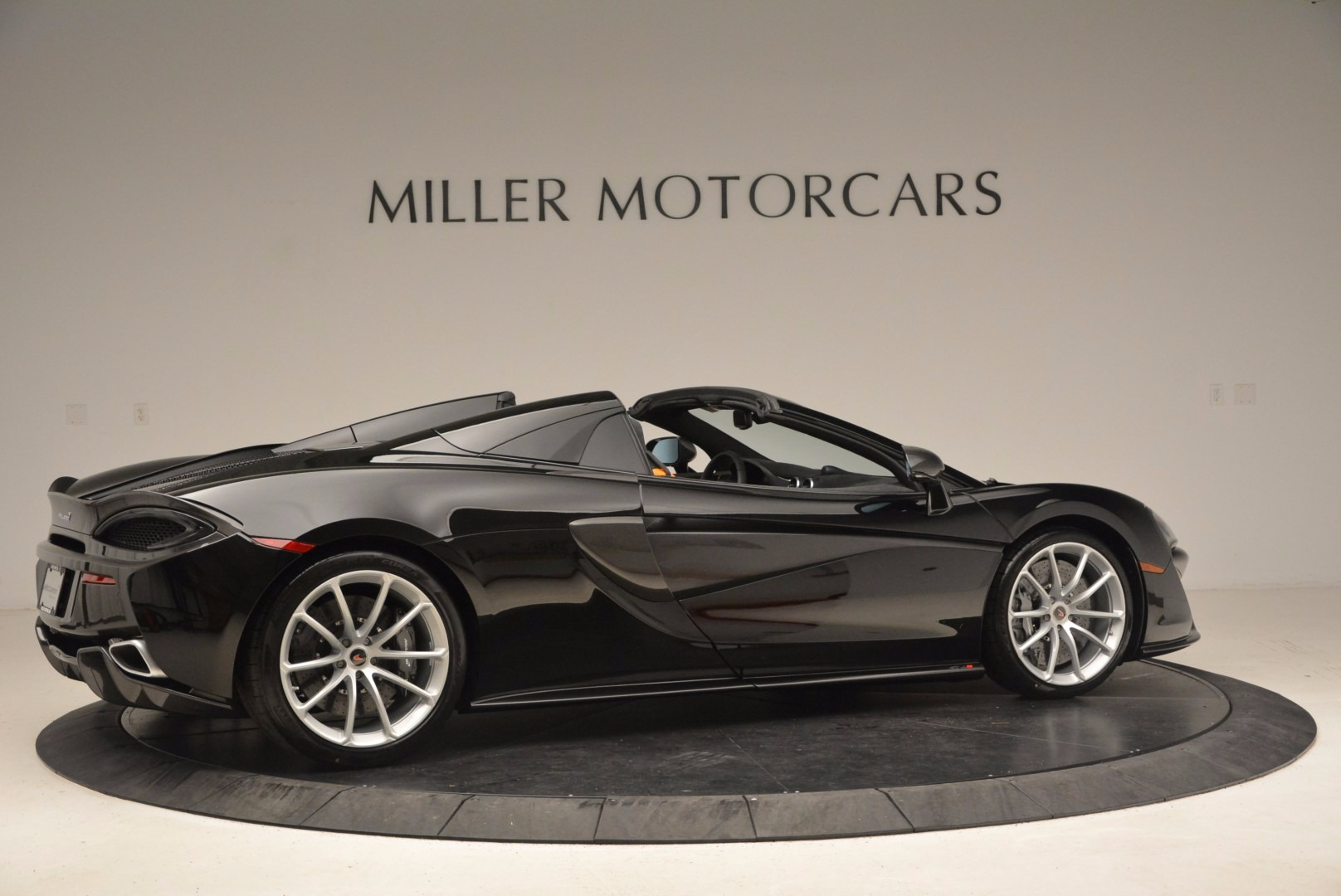 Used 2018 McLaren 570S Spider For Sale In Westport, CT 1716_p8