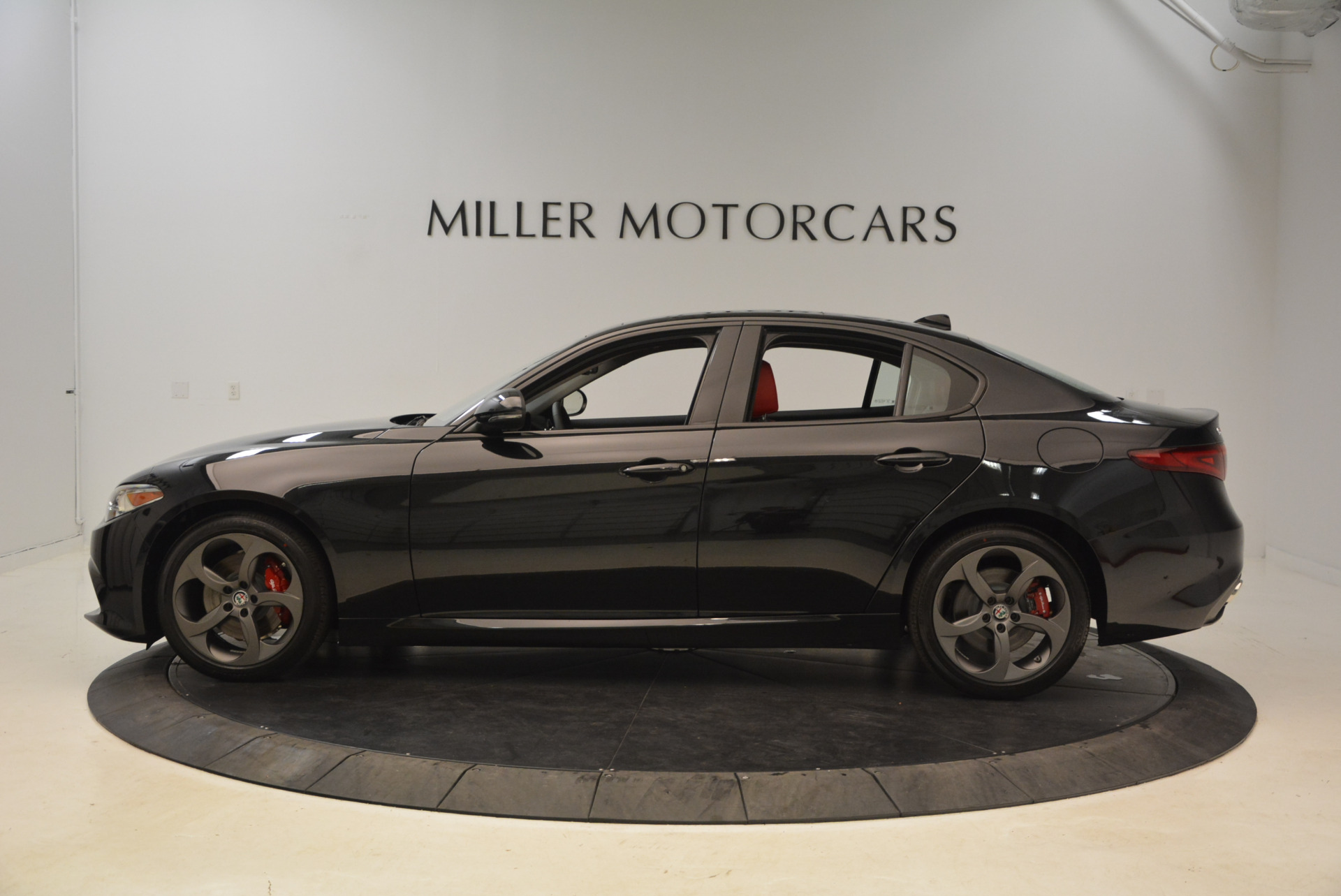 New 2018 Alfa Romeo Giulia Ti Sport Q4 For Sale In Westport, CT 1724_p3
