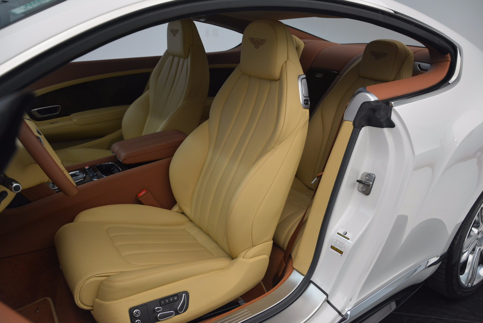Used 2014 Bentley Continental GT V8 S For Sale In Westport, CT 1733_p25