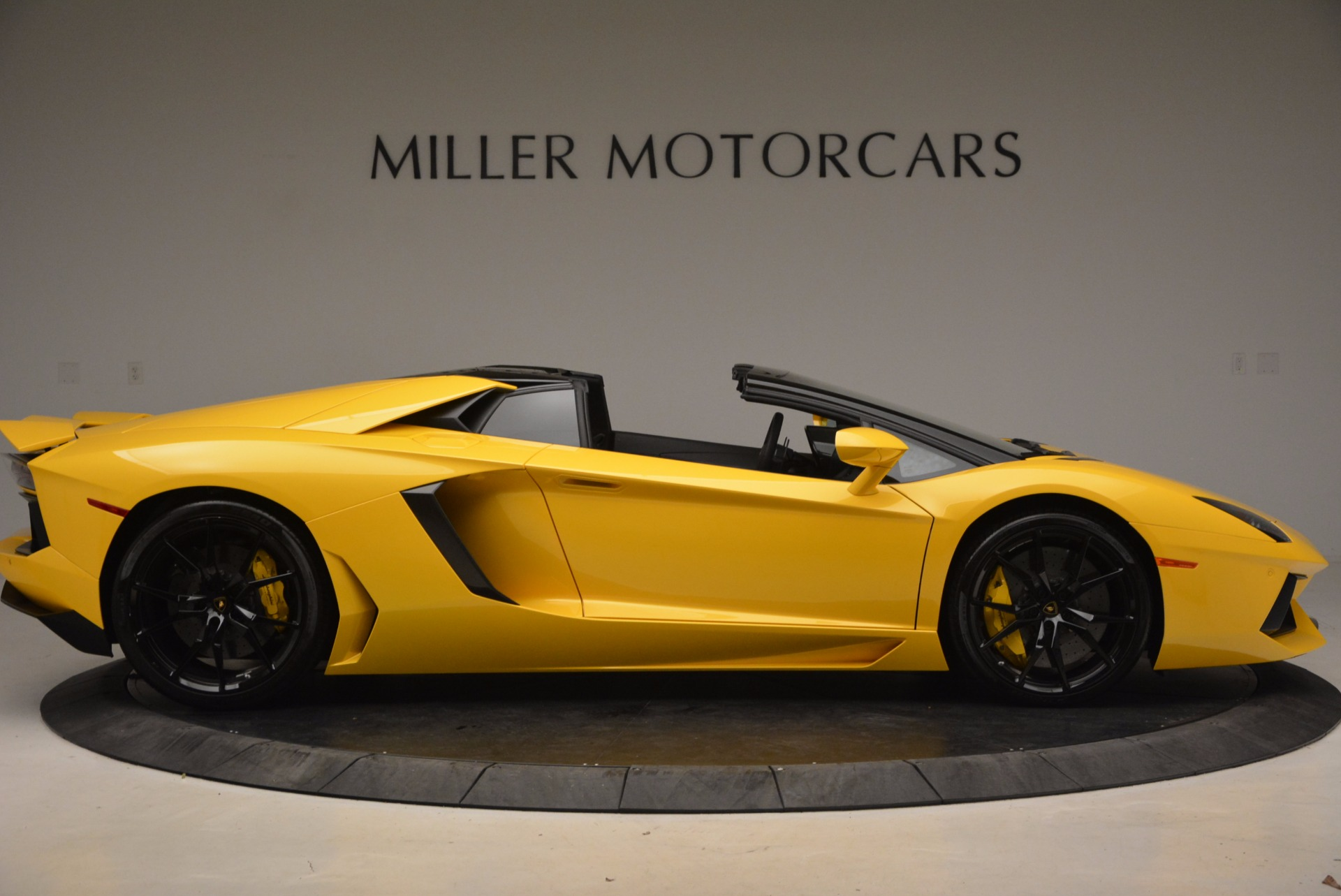 Used 2015 Lamborghini Aventador LP 700-4 Roadster For Sale In Westport, CT 1774_p10
