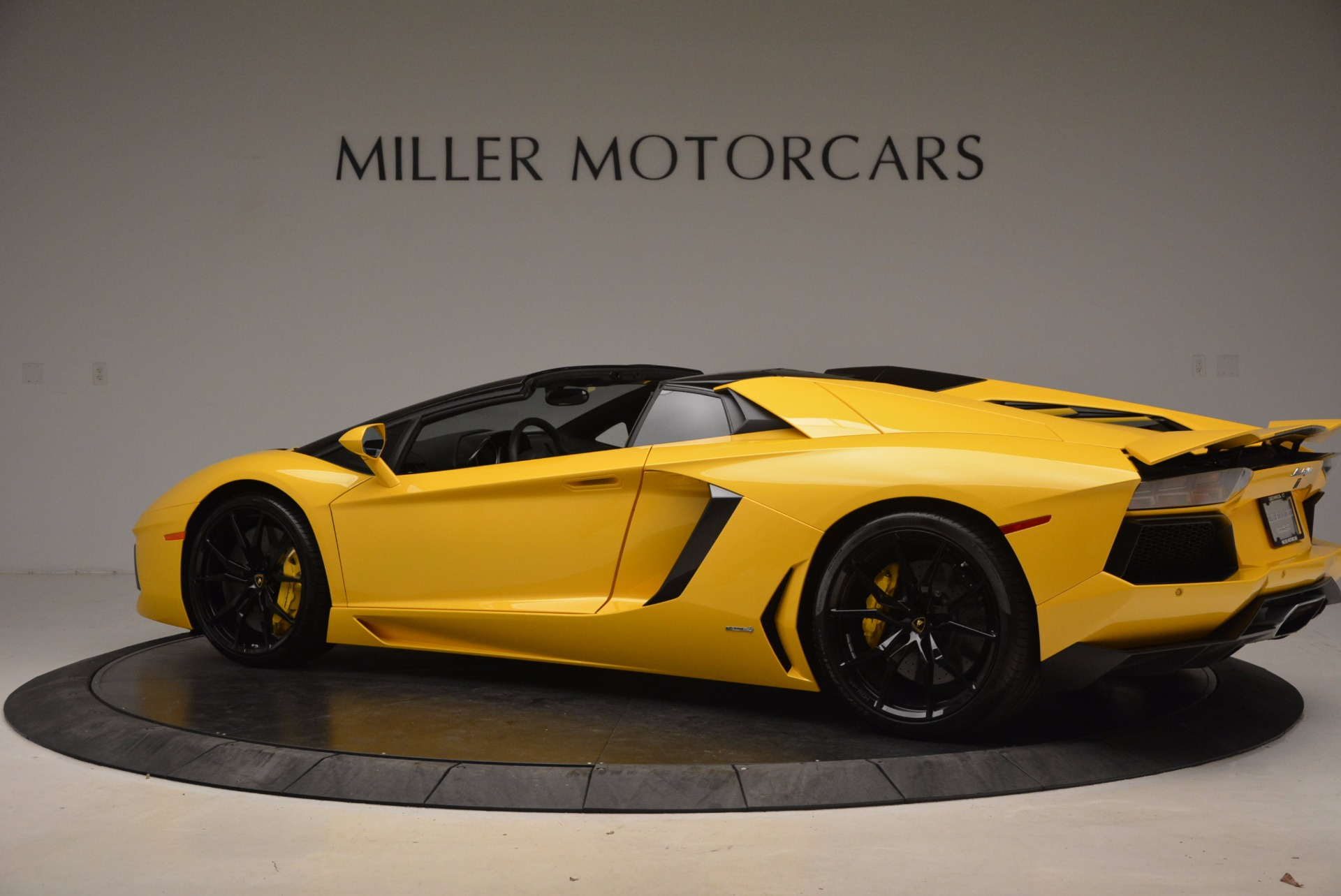 Used 2015 Lamborghini Aventador LP 700-4 Roadster For Sale In Westport, CT 1774_p4