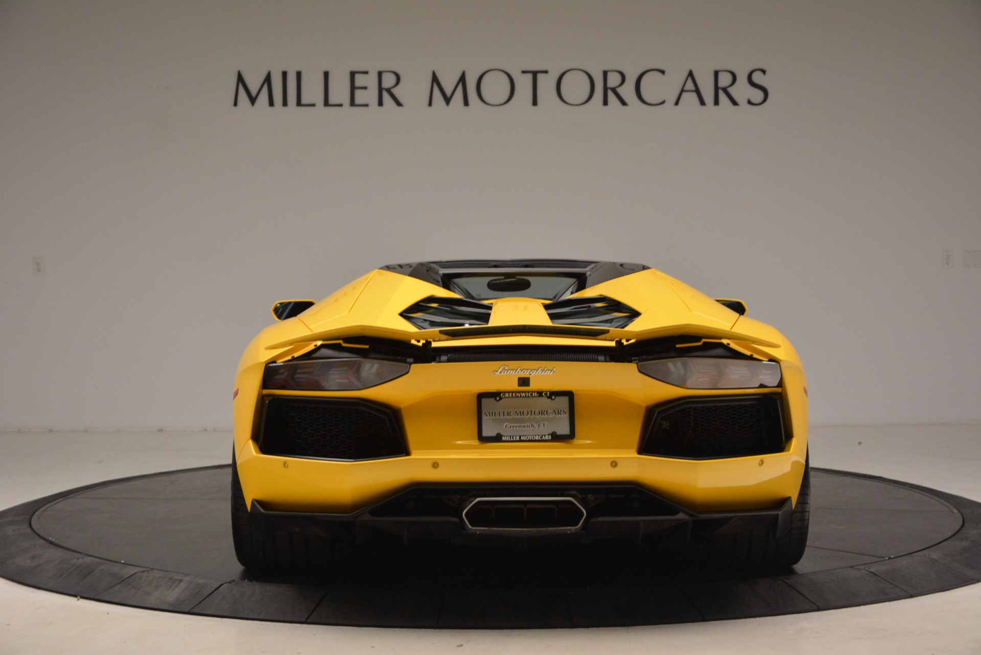 Used 2015 Lamborghini Aventador LP 700-4 Roadster For Sale In Westport, CT 1774_p6