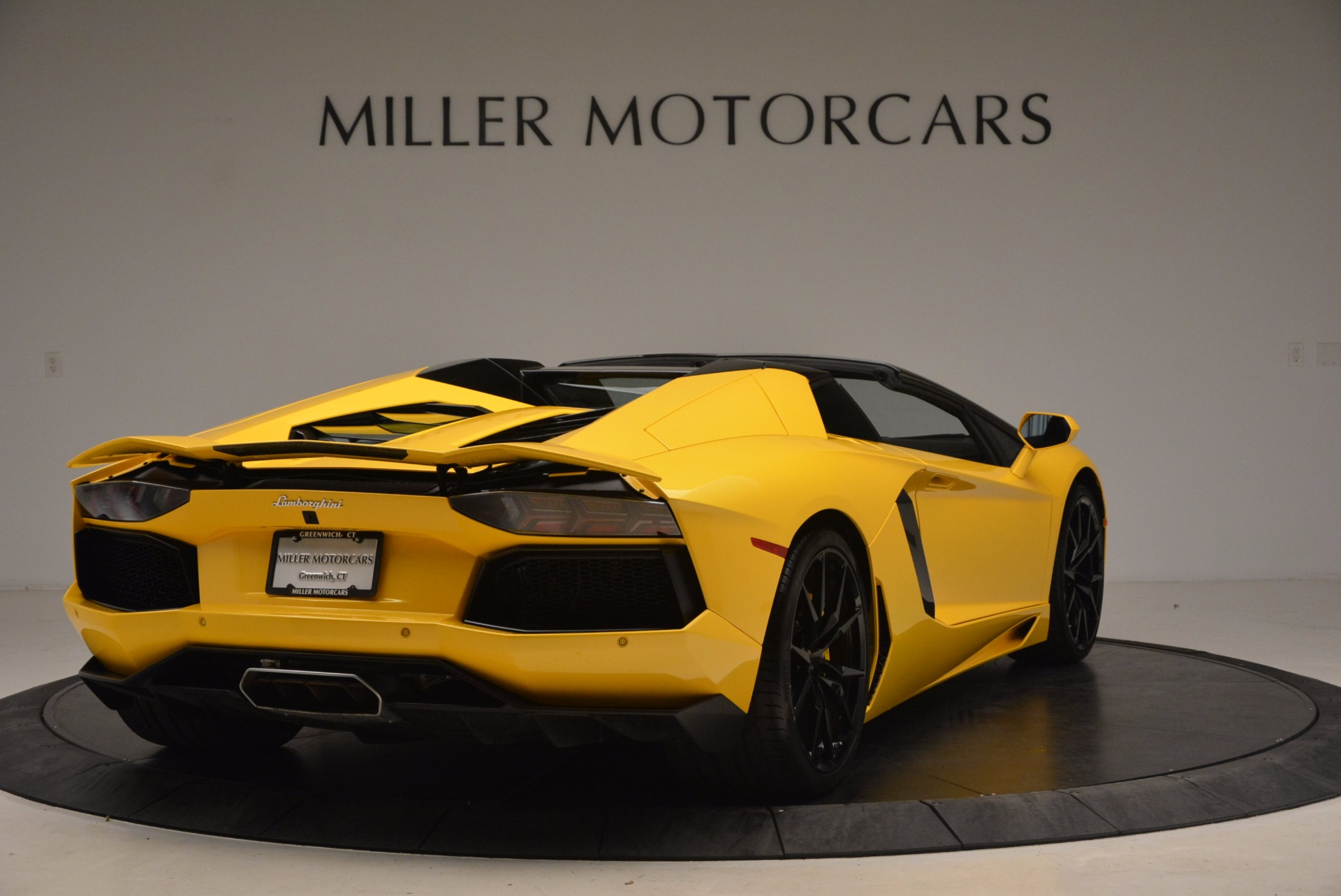 Used 2015 Lamborghini Aventador LP 700-4 Roadster For Sale In Westport, CT 1774_p8