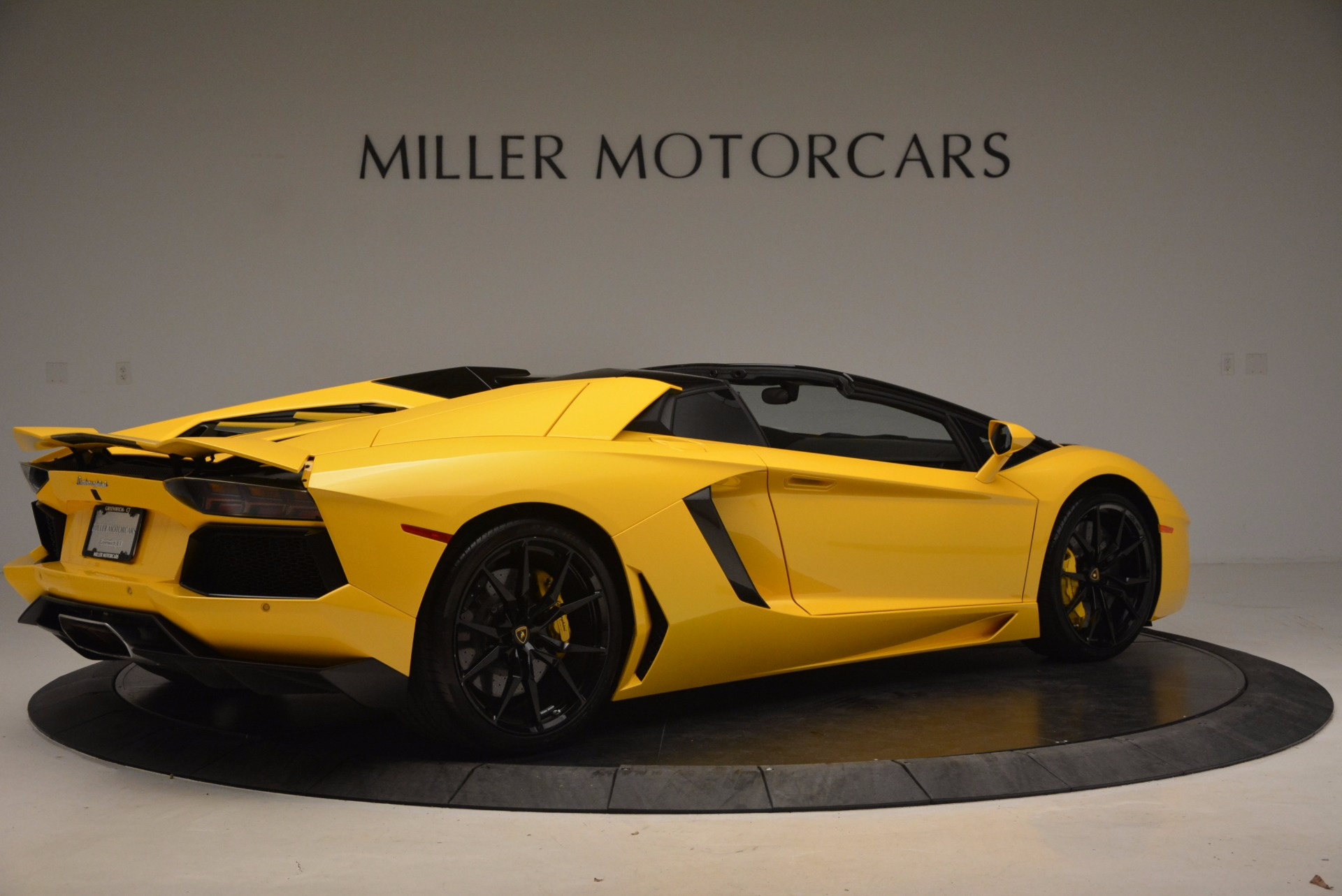 Used 2015 Lamborghini Aventador LP 700-4 Roadster For Sale In Westport, CT 1774_p9