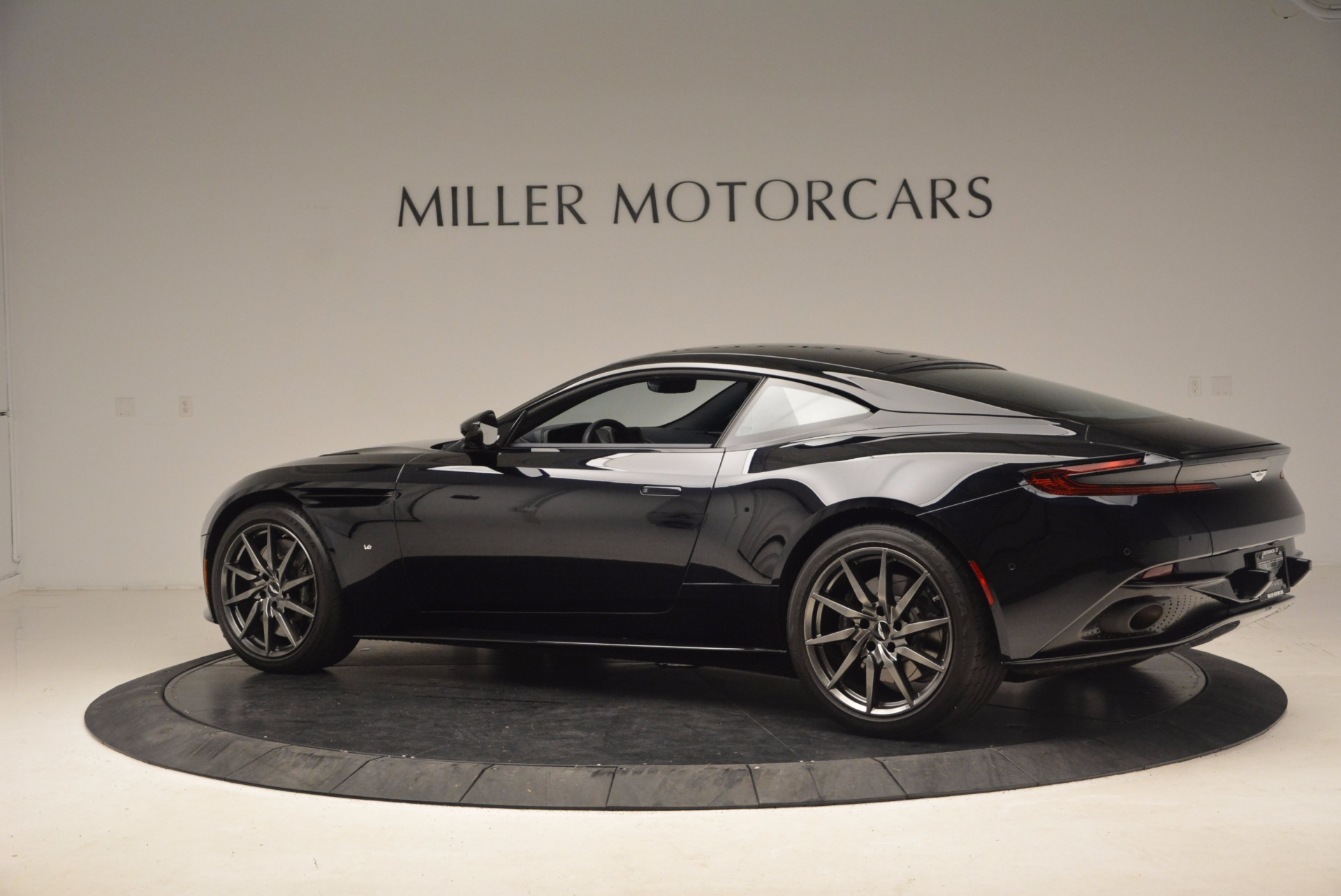 Used 2017 Aston Martin DB11  For Sale In Westport, CT 1786_p4