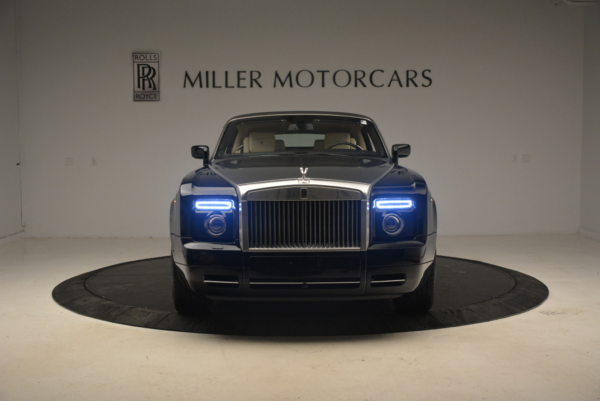 Used 2009 Rolls-Royce Phantom Drophead Coupe  For Sale In Westport, CT 1792_p25