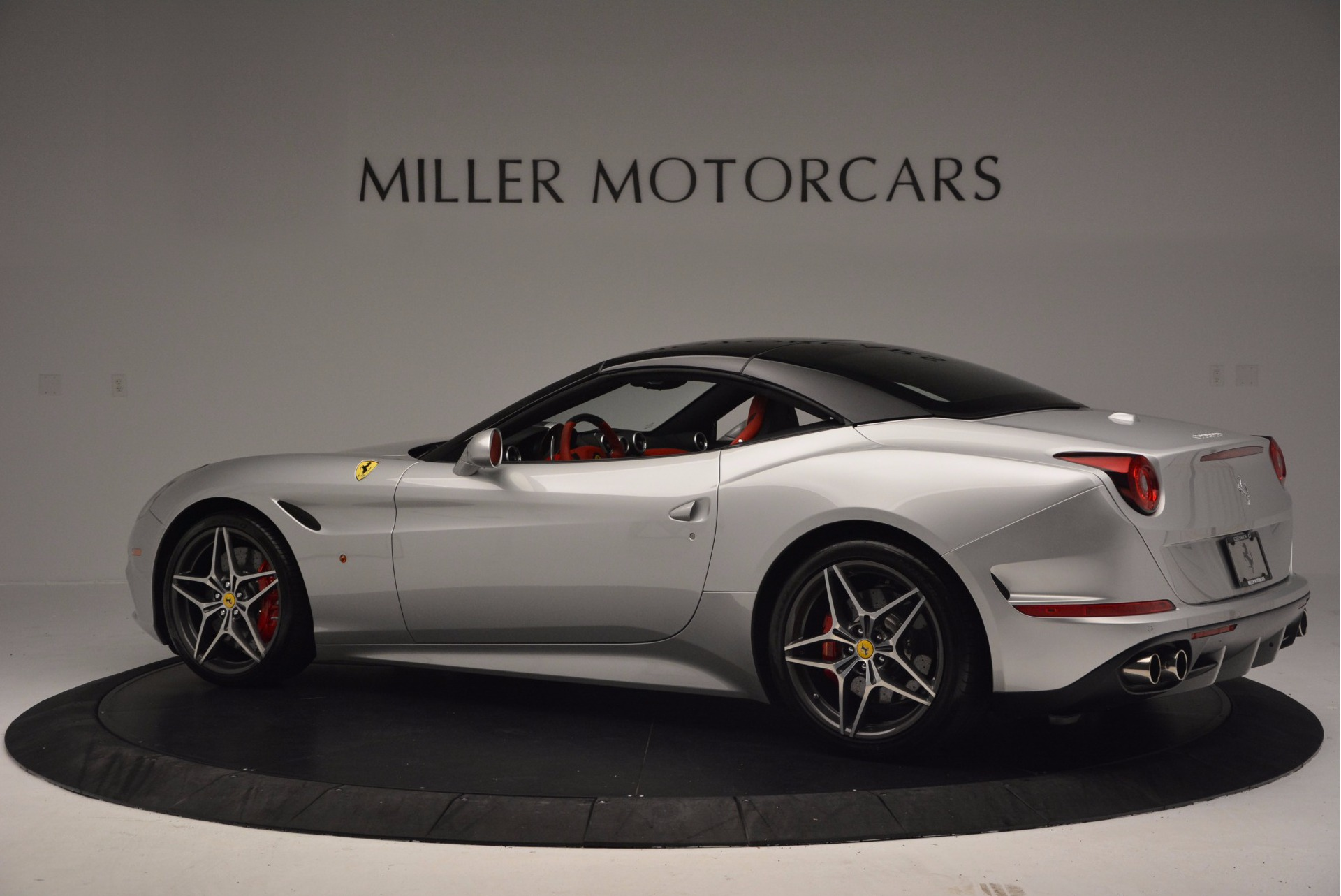 Used 2015 Ferrari California T  For Sale In Westport, CT 1808_p16
