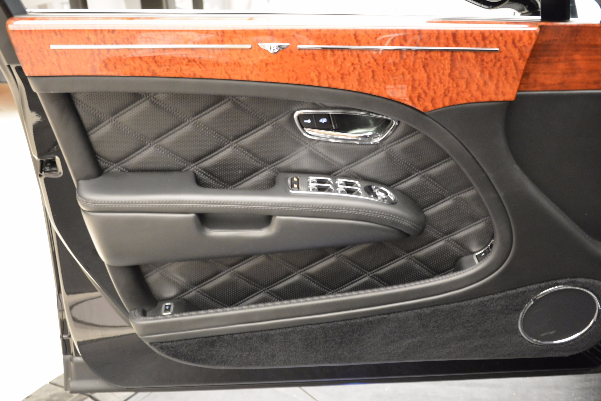 Used 2016 Bentley Mulsanne  For Sale In Westport, CT 1826_p21