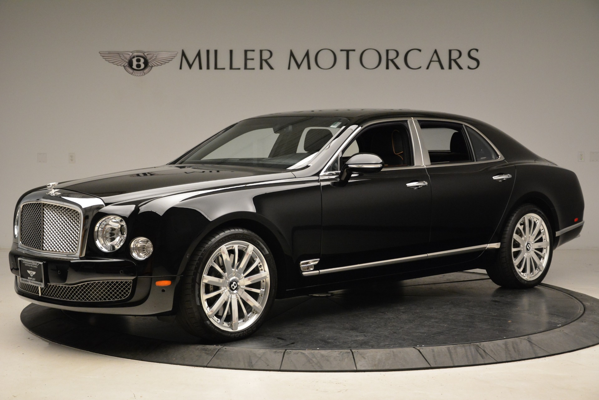 Used 2016 Bentley Mulsanne  For Sale In Westport, CT 1826_p3
