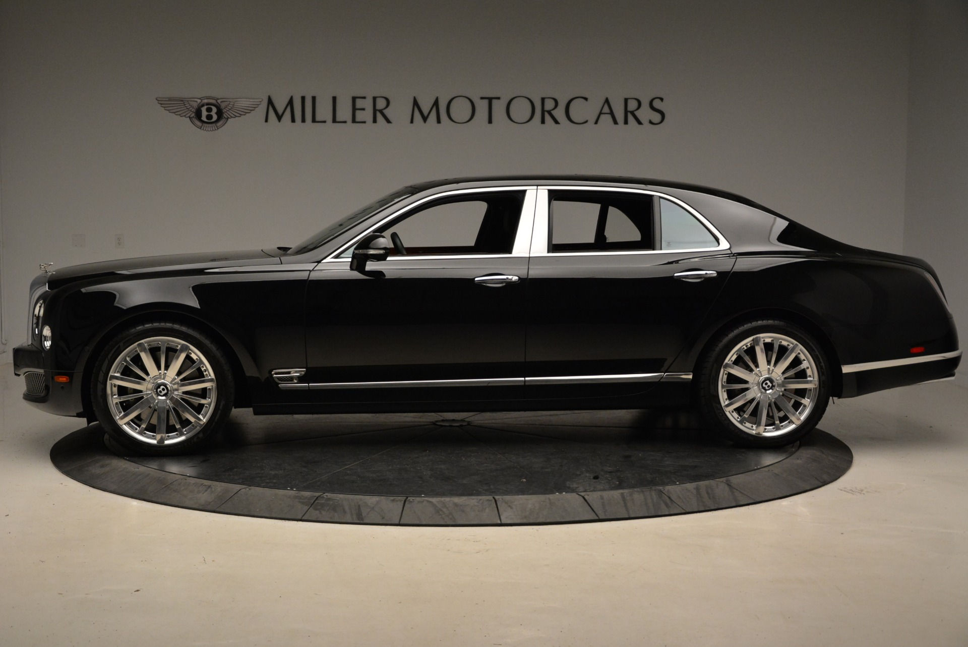 Used 2016 Bentley Mulsanne  For Sale In Westport, CT 1826_p4