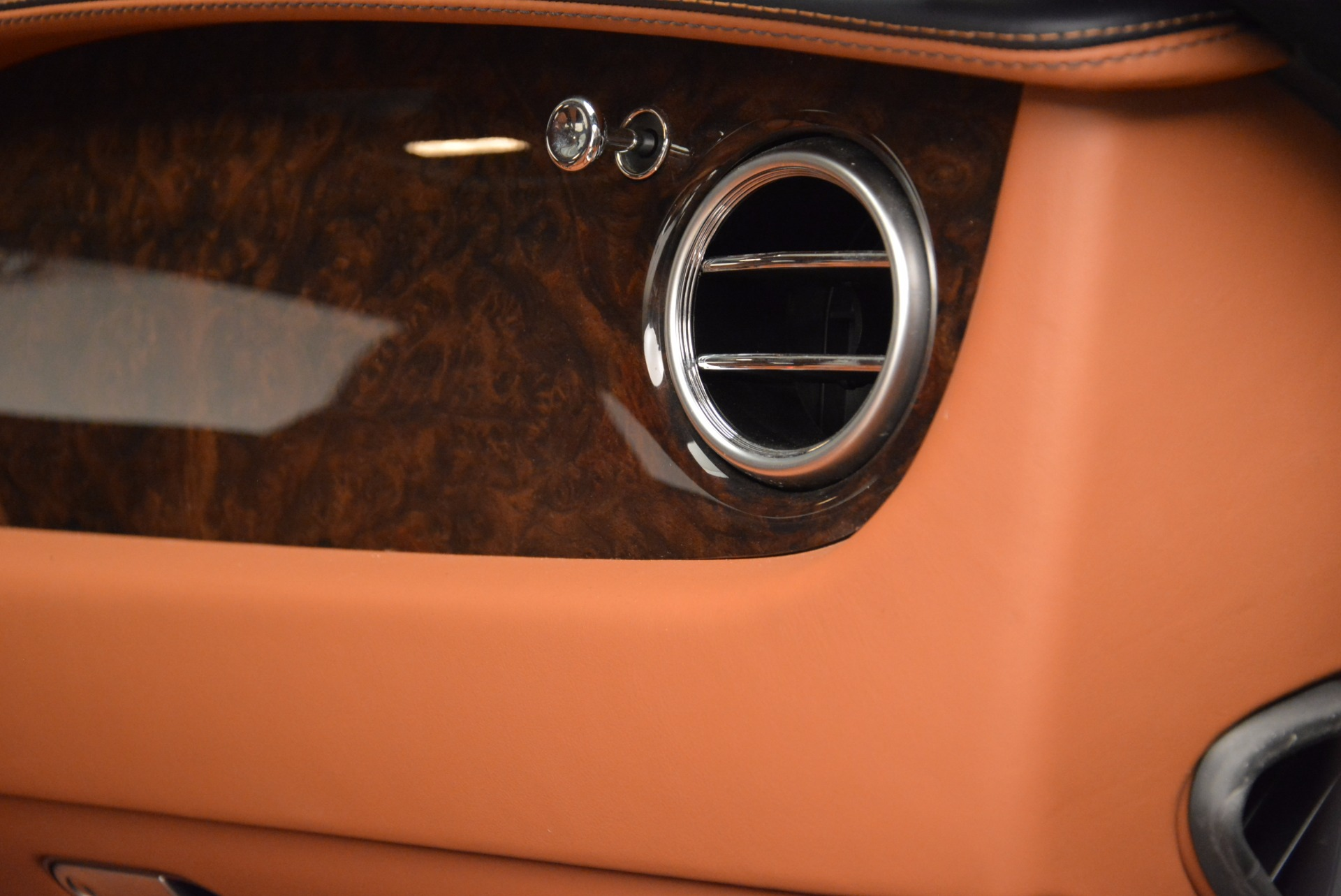 Used 2014 Bentley Continental GT W12 For Sale In Westport, CT 1845_p35