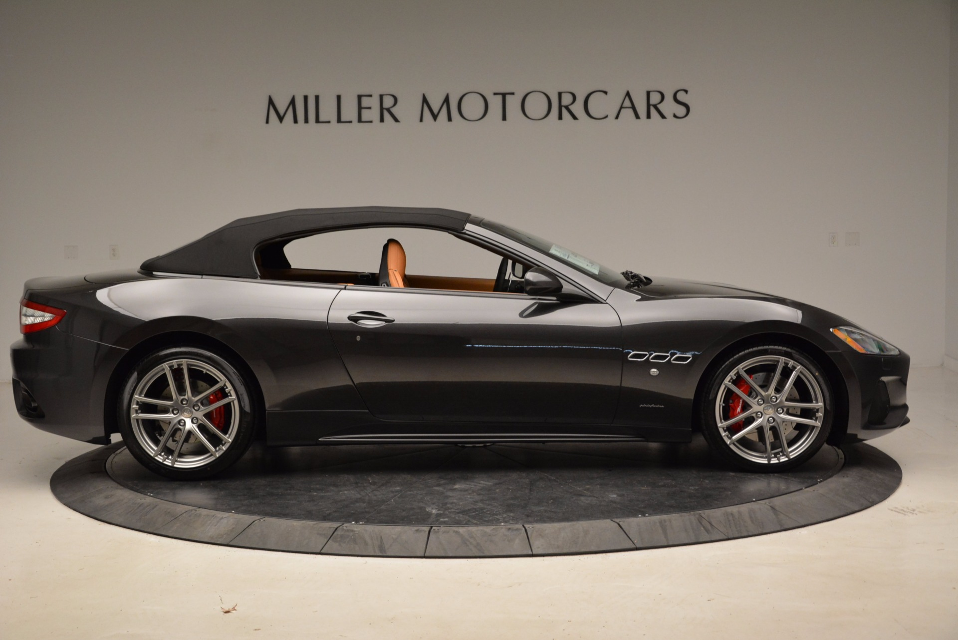 New 2018 Maserati GranTurismo Sport Convertible For Sale In Westport, CT 1869_p9
