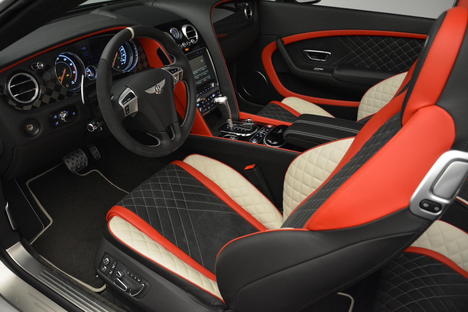 Used 2018 Bentley Continental GT Supersports Convertible For Sale In Westport, CT 1875_p26