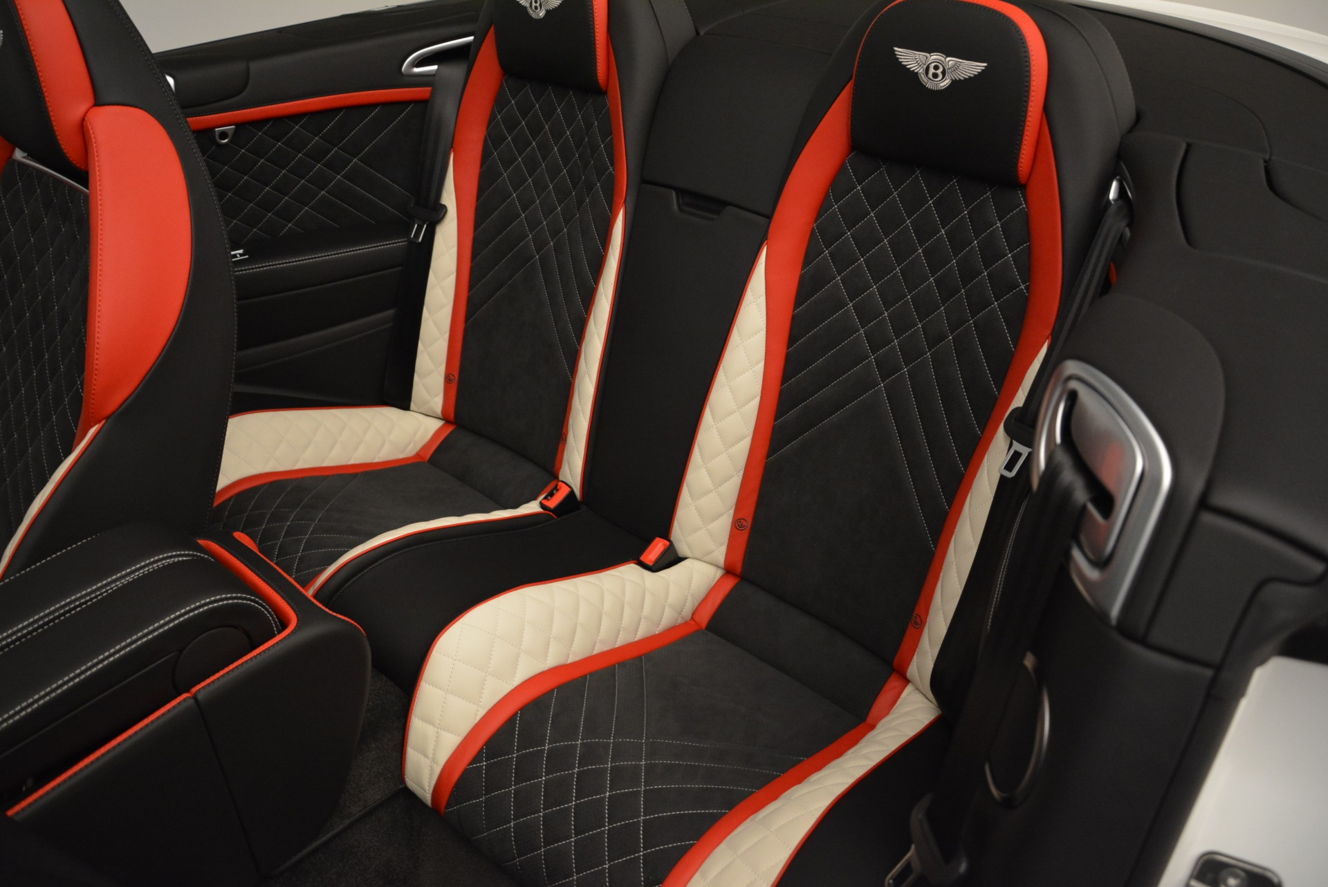 Used 2018 Bentley Continental GT Supersports Convertible For Sale In Westport, CT 1875_p31