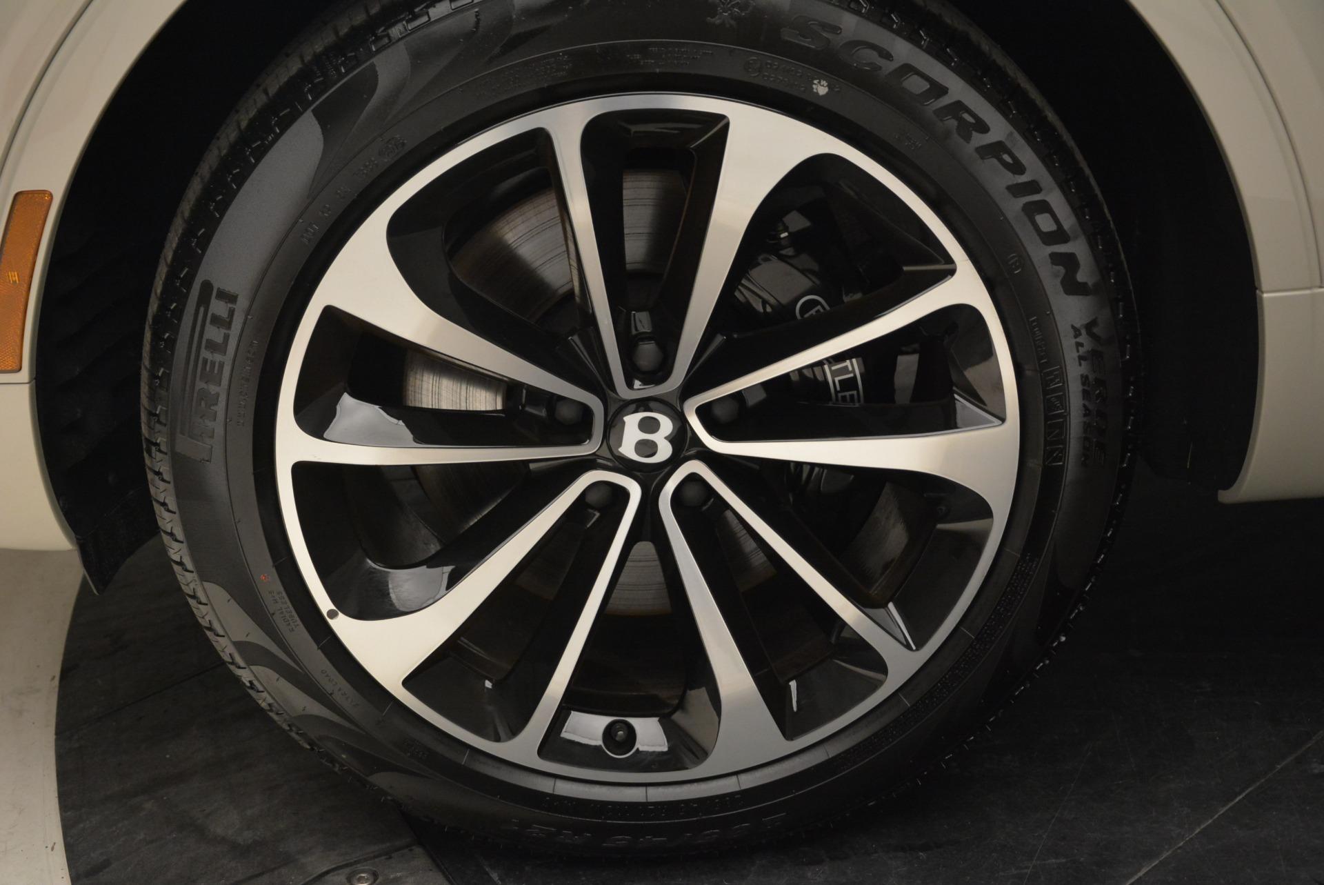 New 2018 Bentley Bentayga Signature For Sale In Westport, CT 1876_p16