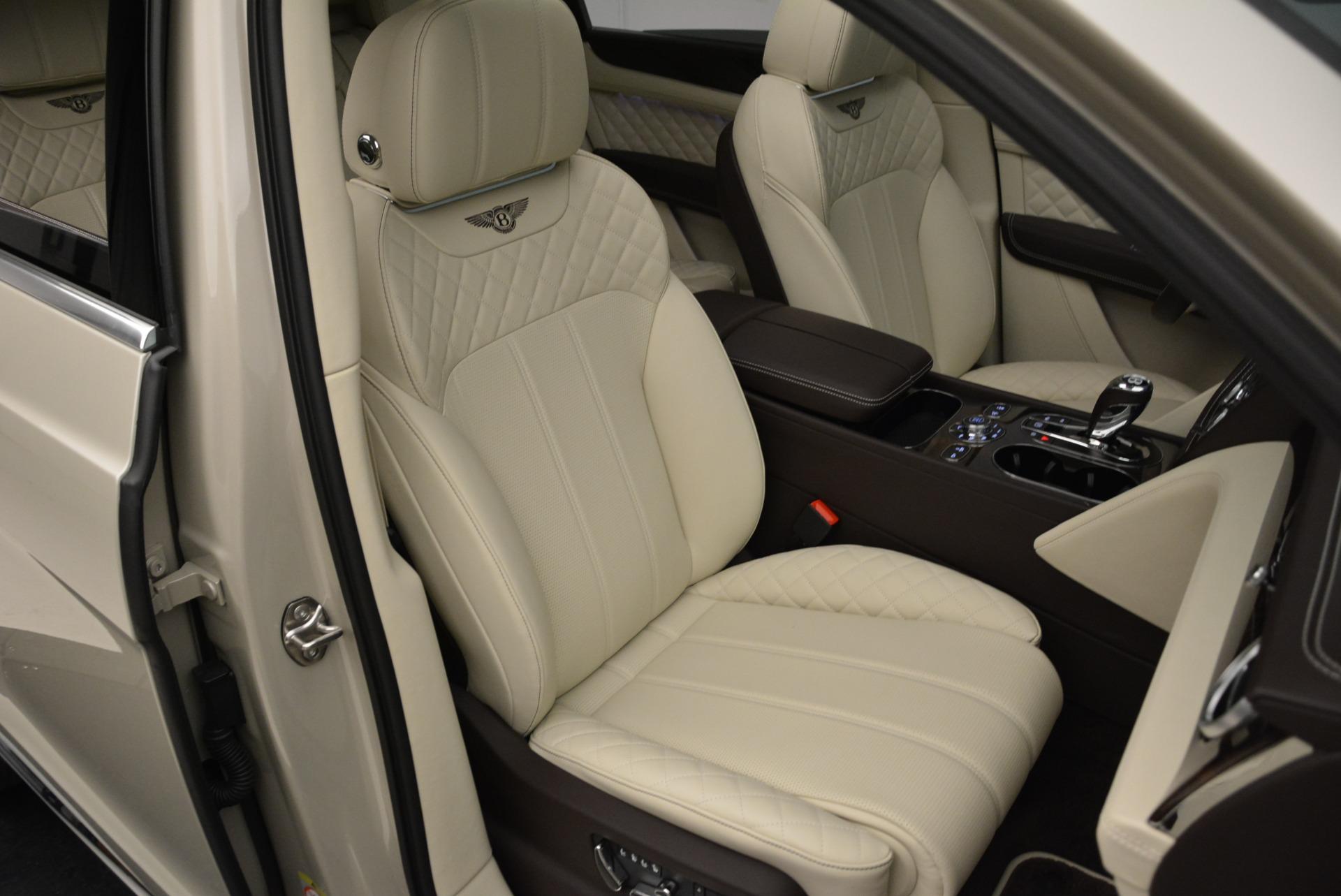 New 2018 Bentley Bentayga Signature For Sale In Westport, CT 1876_p27