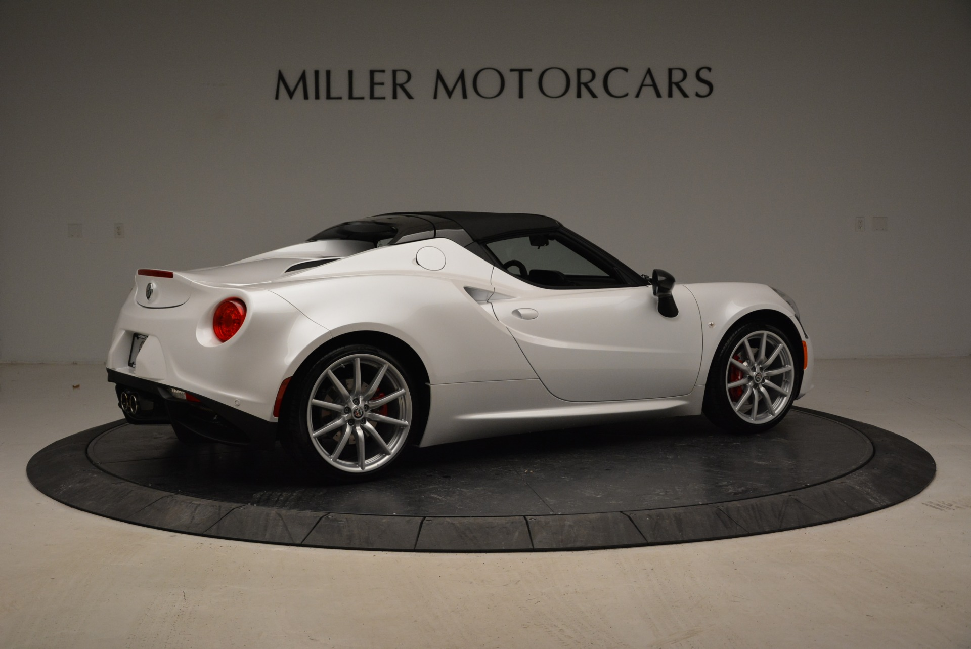 New 2018 Alfa Romeo 4C Spider For Sale In Westport, CT 1878_p11