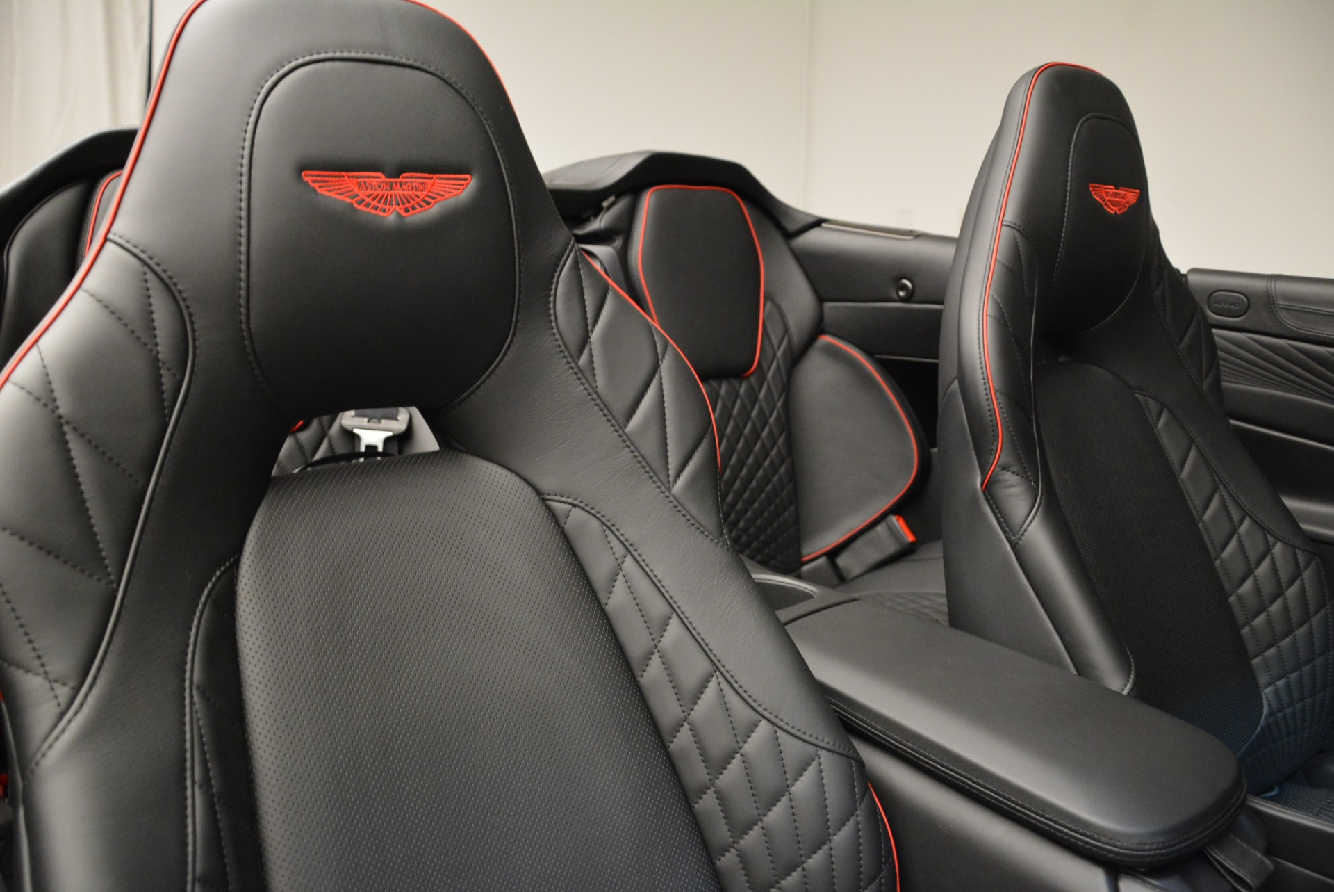 Used 2018 Aston Martin Vanquish S Convertible For Sale In Westport, CT 1895_p25