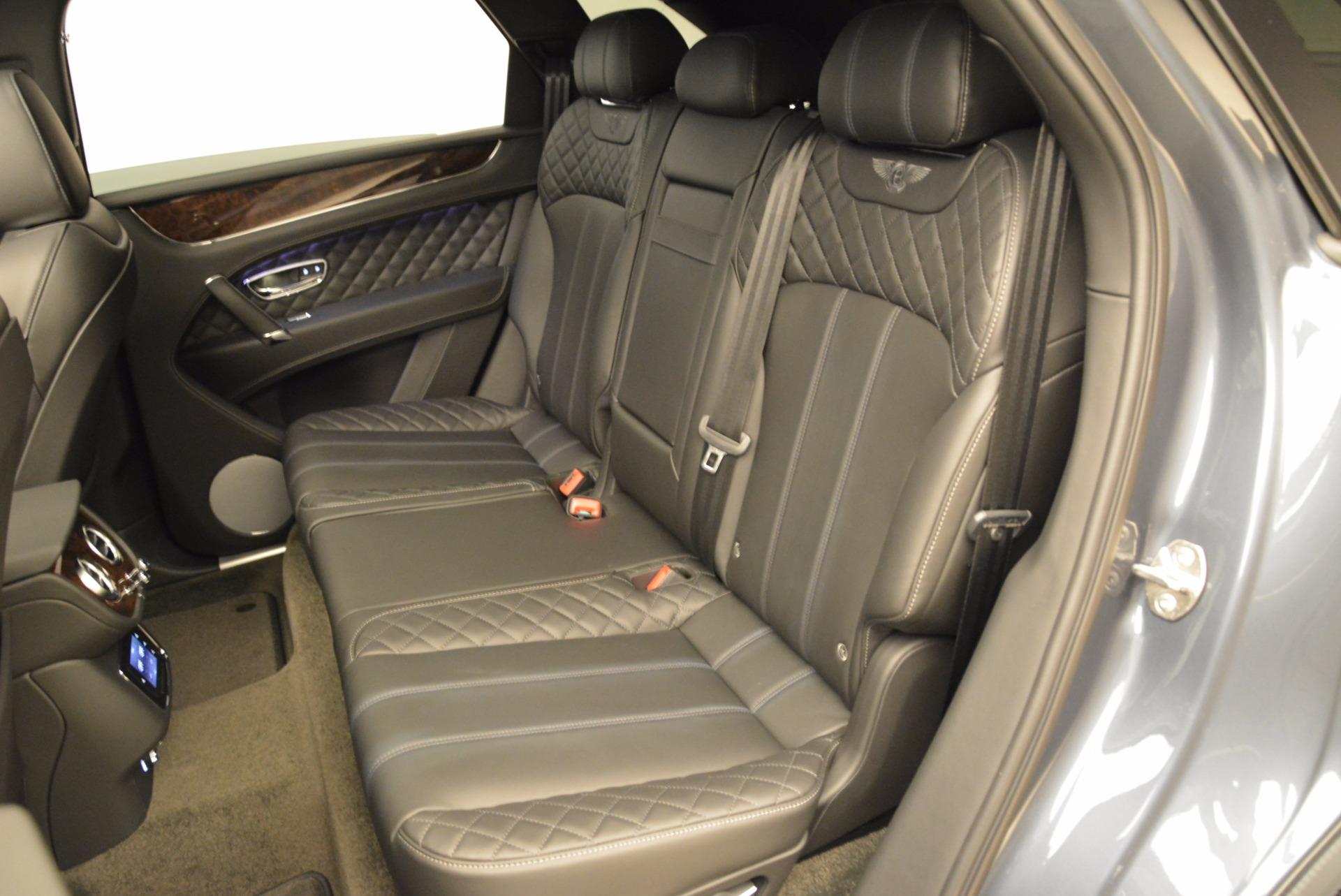 Used 2018 Bentley Bentayga W12 Signature For Sale In Westport, CT 1903_p29