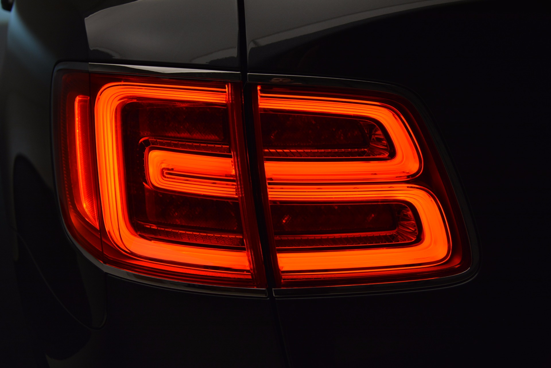 Used 2018 Bentley Bentayga W12 Signature For Sale In Westport, CT 1903_p31