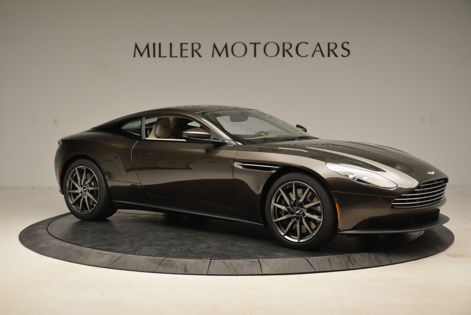 New 2018 Aston Martin DB11 V12 For Sale In Westport, CT 1904_p10
