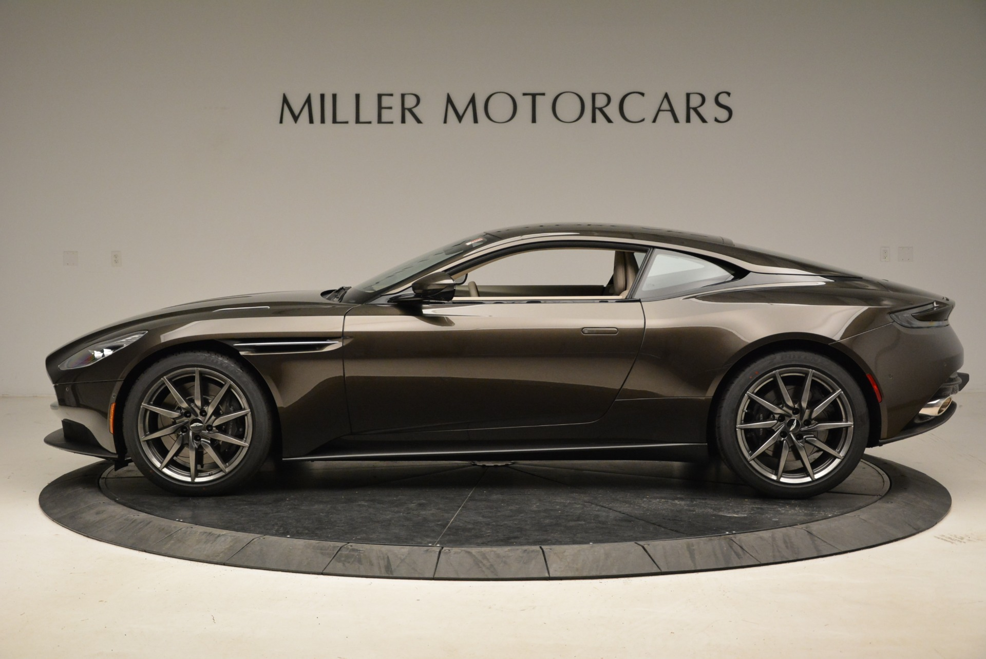 New 2018 Aston Martin DB11 V12 For Sale In Westport, CT 1904_p3
