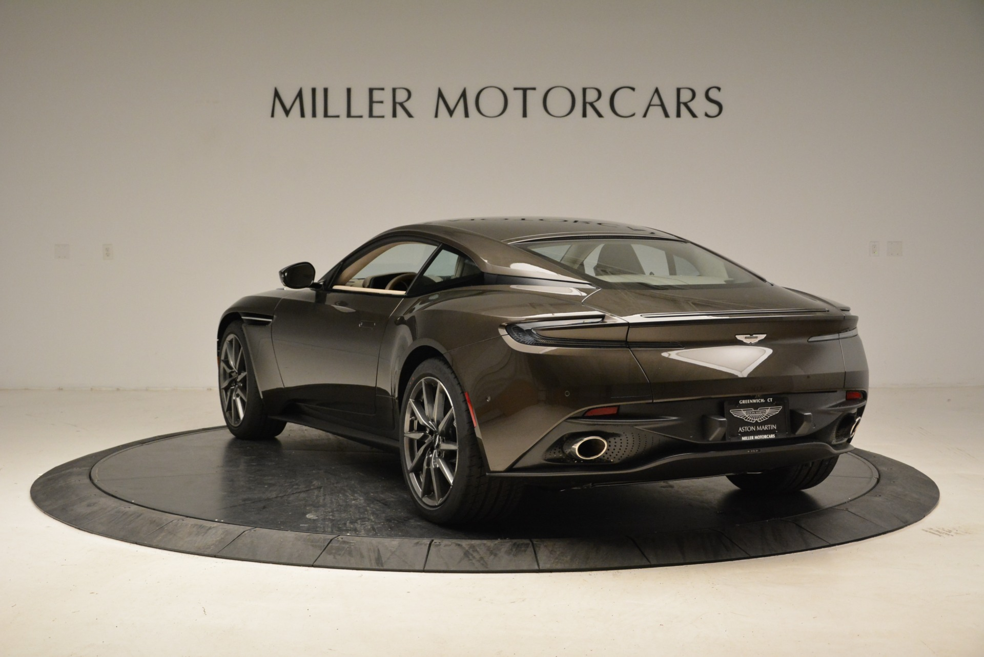 New 2018 Aston Martin DB11 V12 For Sale In Westport, CT 1904_p5