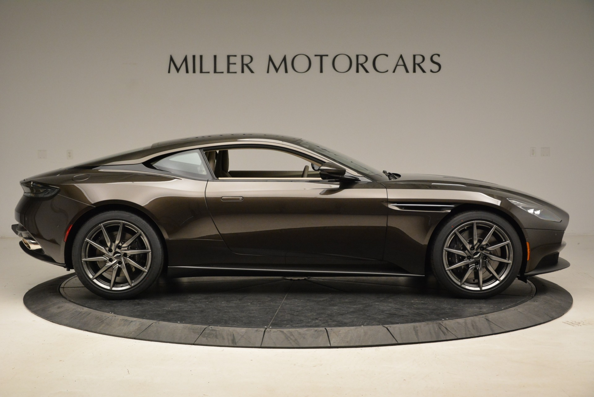 New 2018 Aston Martin DB11 V12 For Sale In Westport, CT 1904_p9