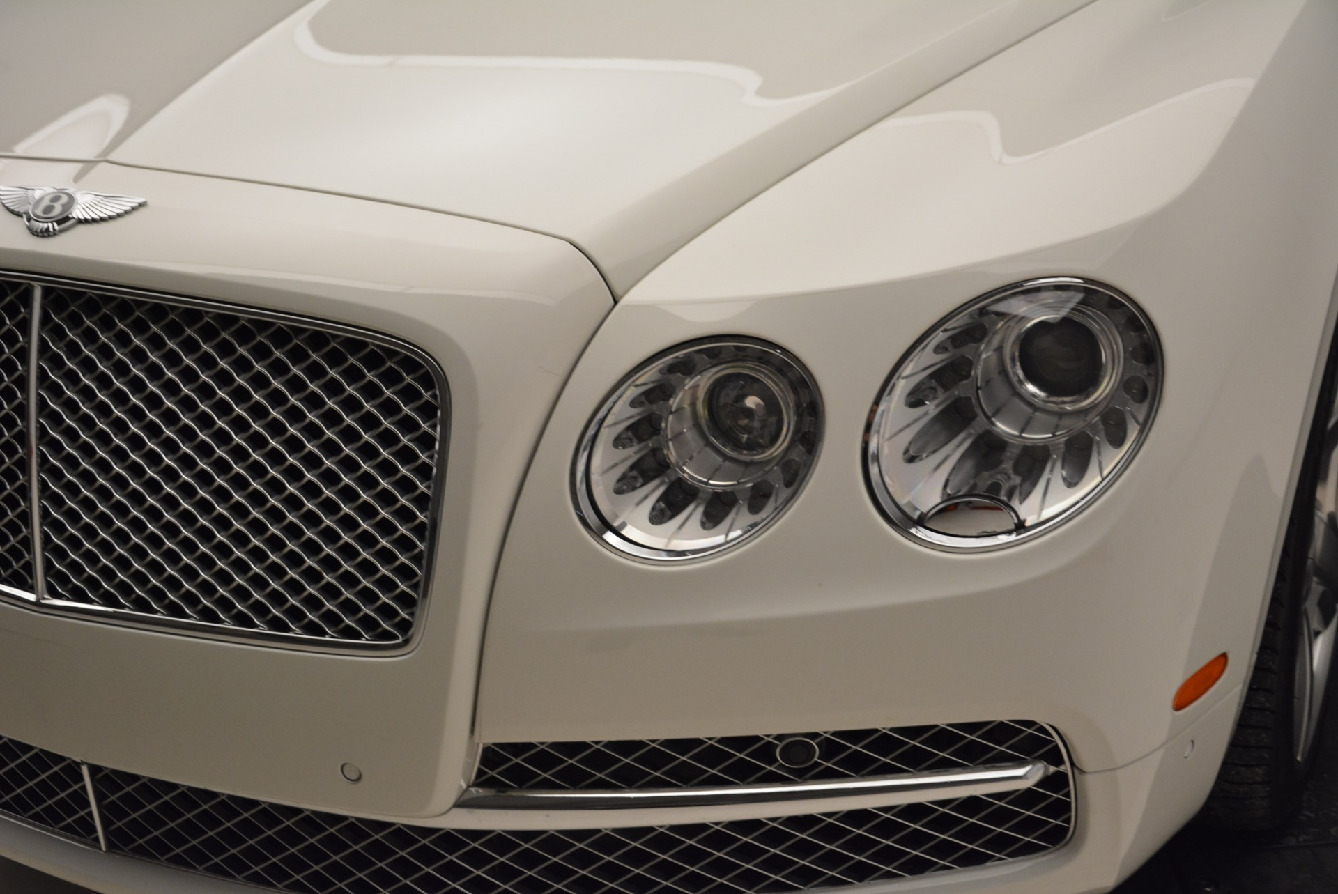 Used 2014 Bentley Flying Spur W12 For Sale In Westport, CT 1906_p16