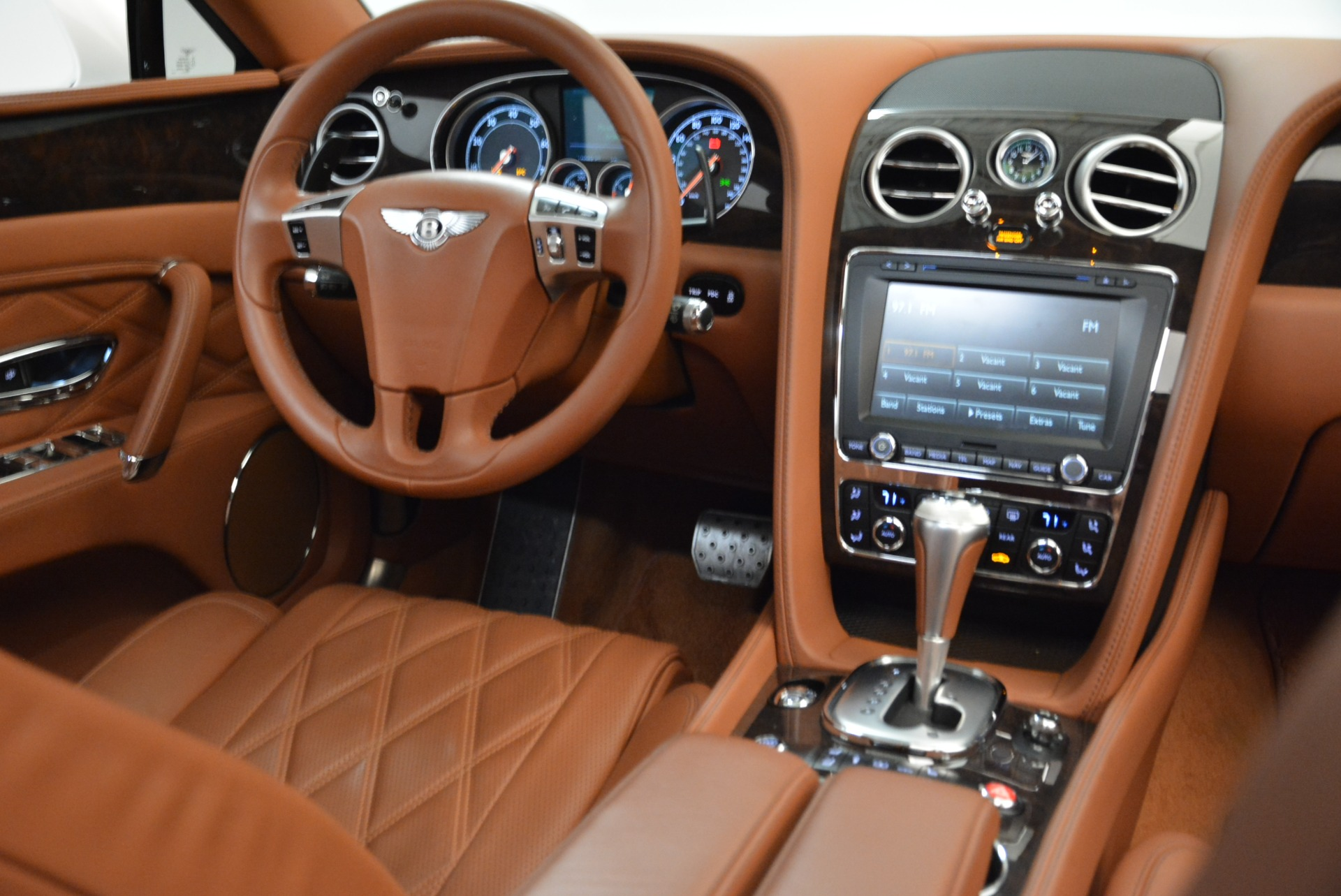 Used 2014 Bentley Flying Spur W12 For Sale In Westport, CT 1906_p40