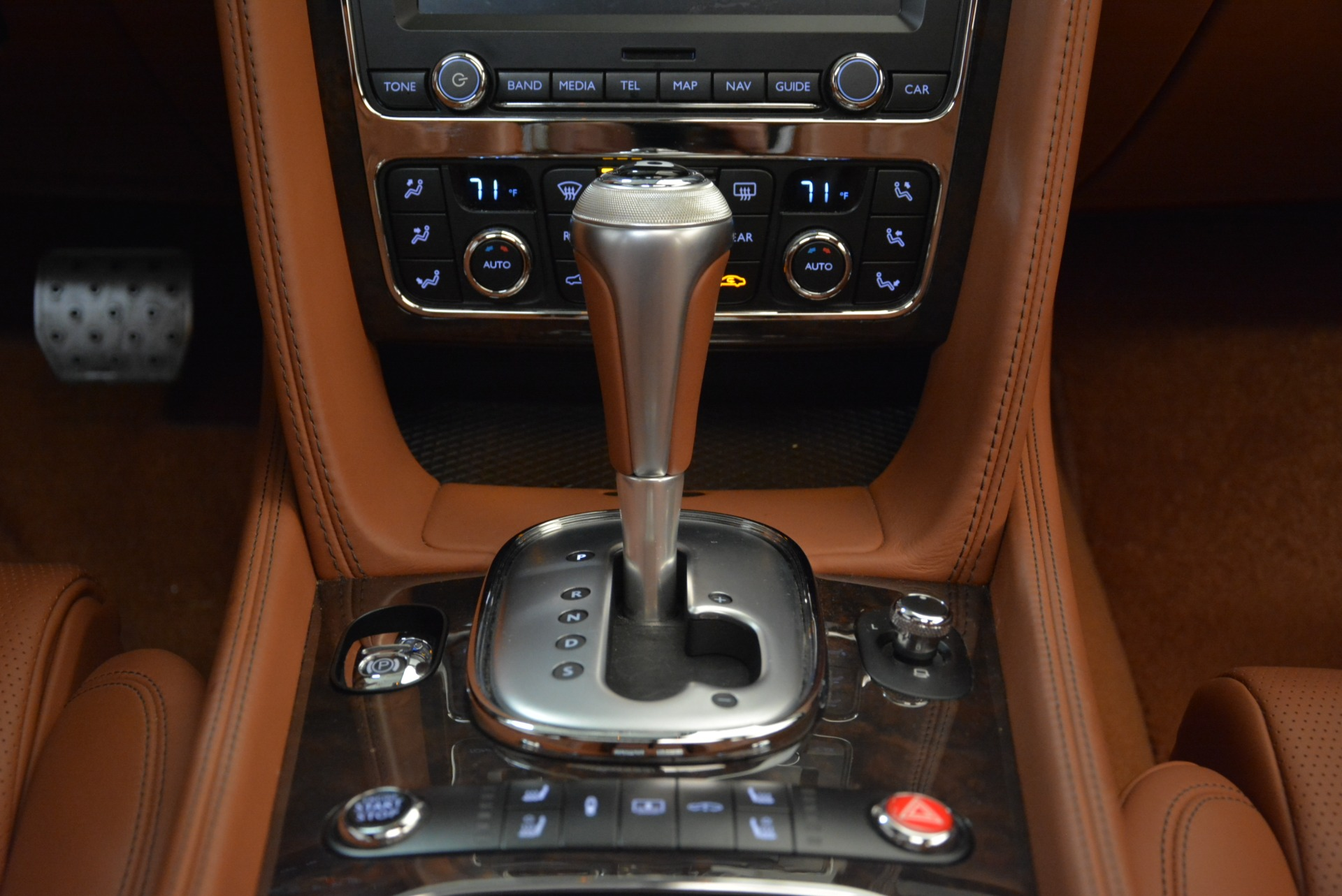 Used 2014 Bentley Flying Spur W12 For Sale In Westport, CT 1906_p44