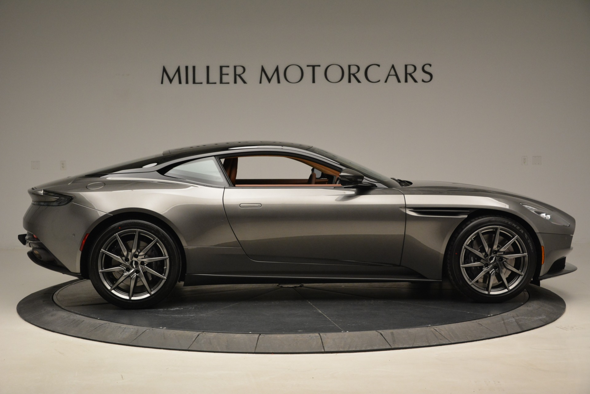 New 2018 Aston Martin DB11 V12 Coupe For Sale In Westport, CT 1917_p9