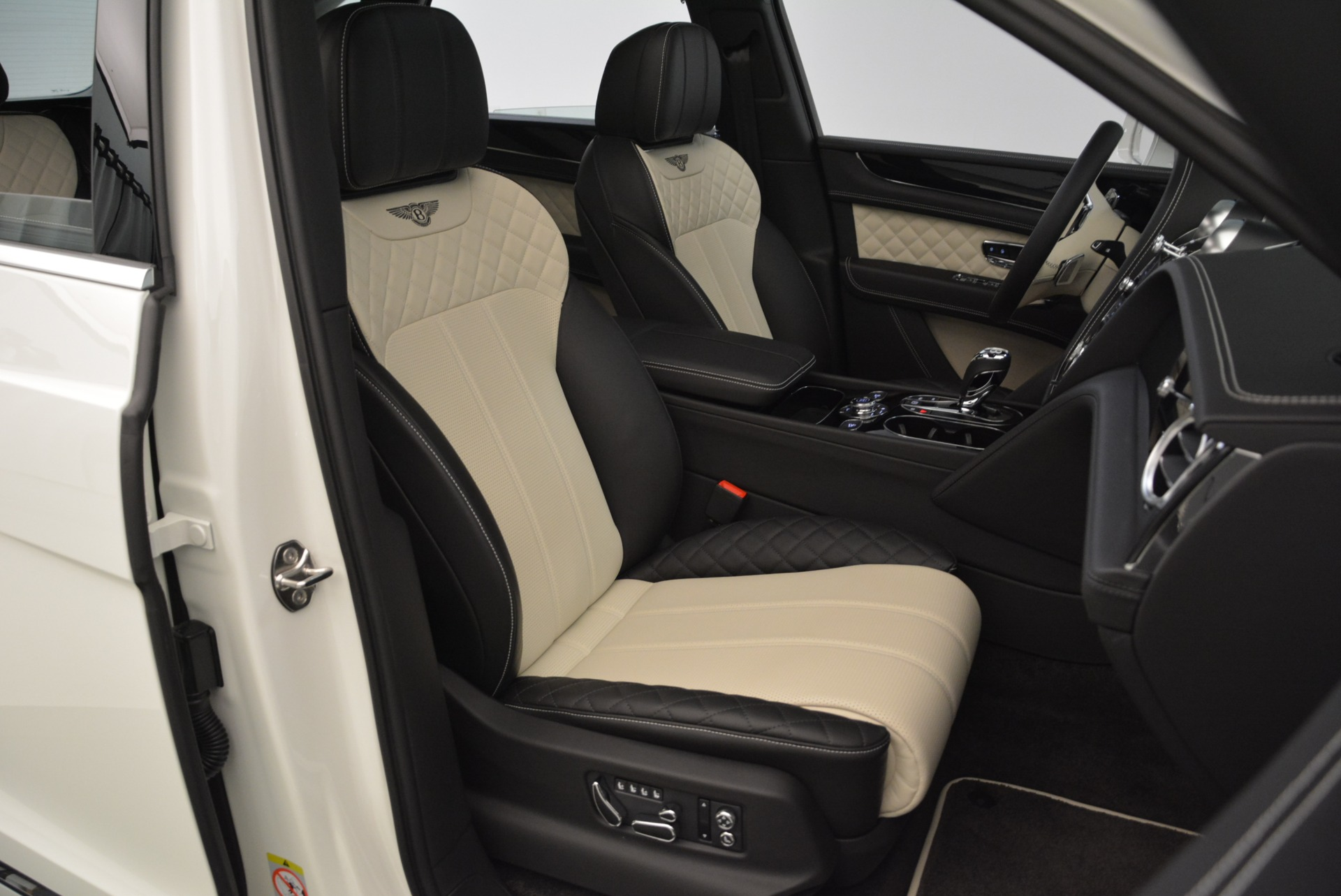 Used 2018 Bentley Bentayga Activity Edition For Sale In Westport, CT 1922_p25