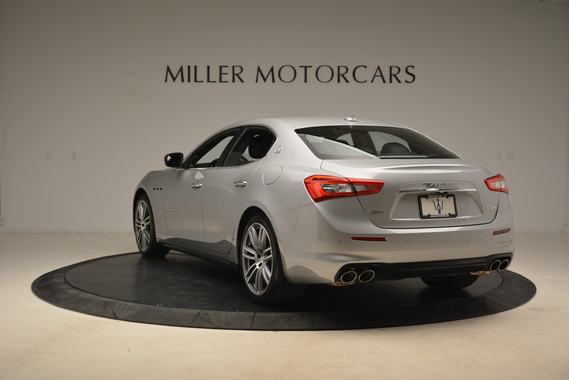 Used 2018 Maserati Ghibli S Q4 For Sale In Westport, CT 1929_p4