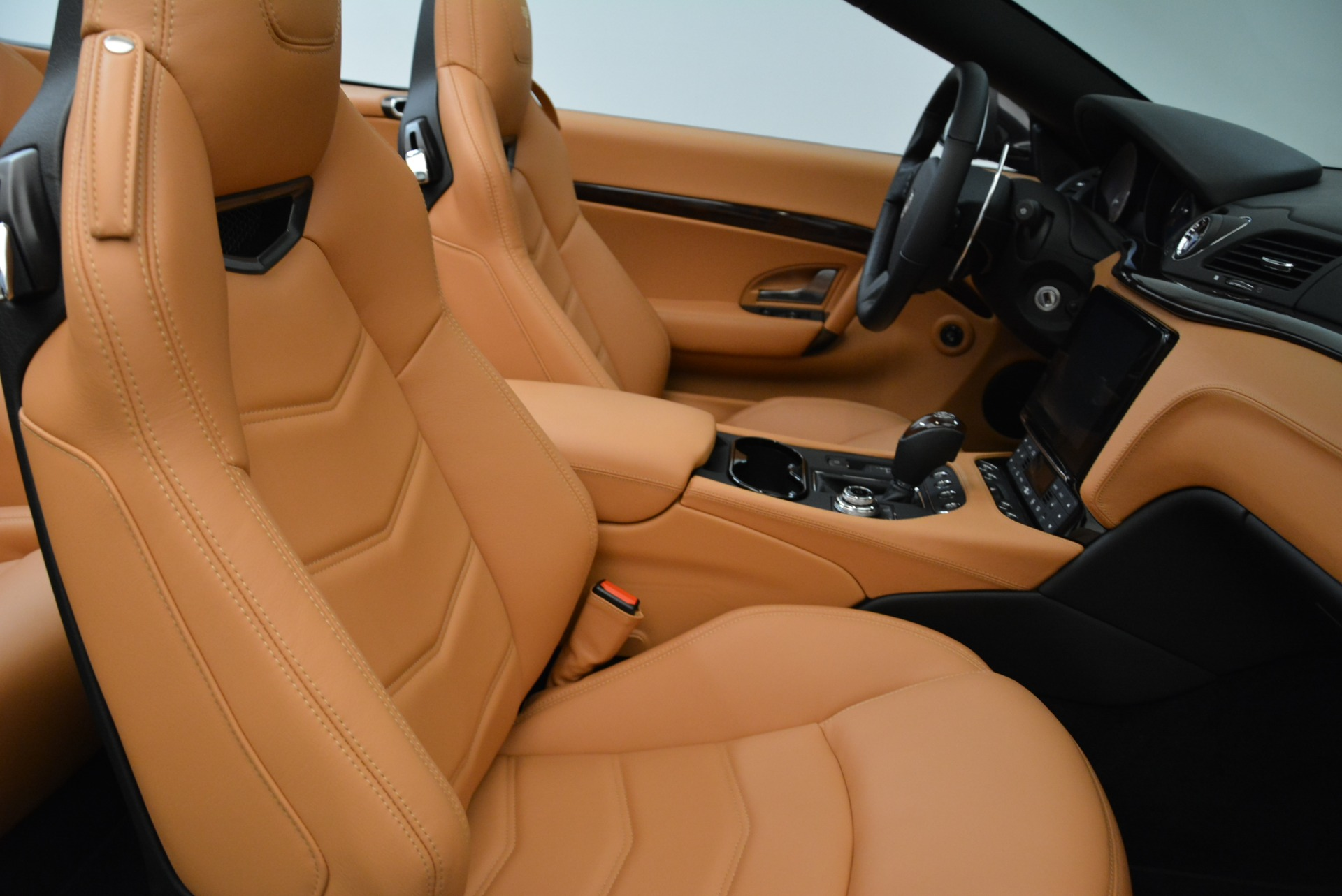 New 2018 Maserati GranTurismo Sport Convertible For Sale In Westport, CT 1942_p28
