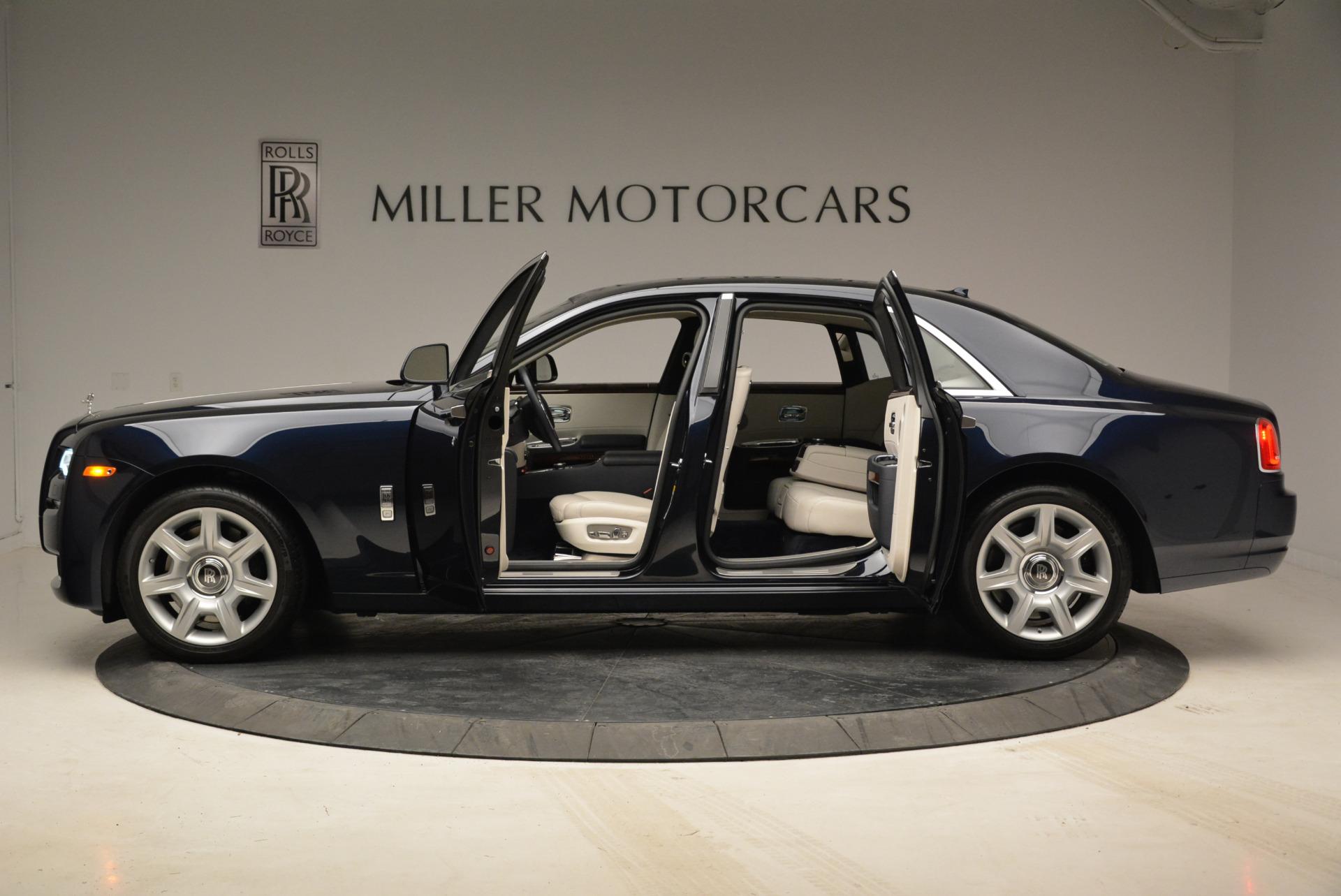 Used 2015 Rolls-Royce Ghost  For Sale In Westport, CT 1980_p16