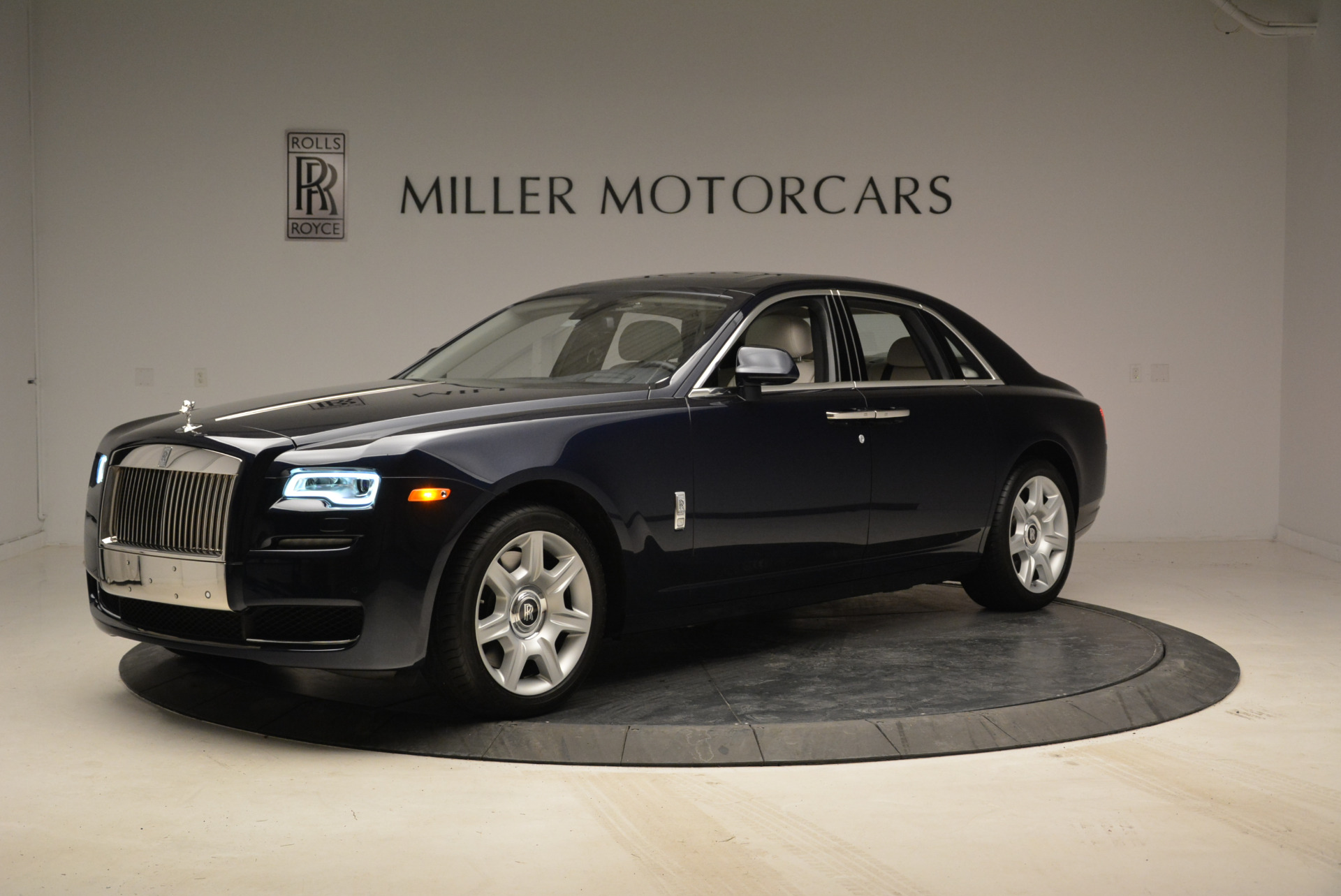 Used 2015 Rolls-Royce Ghost  For Sale In Westport, CT 1980_p2