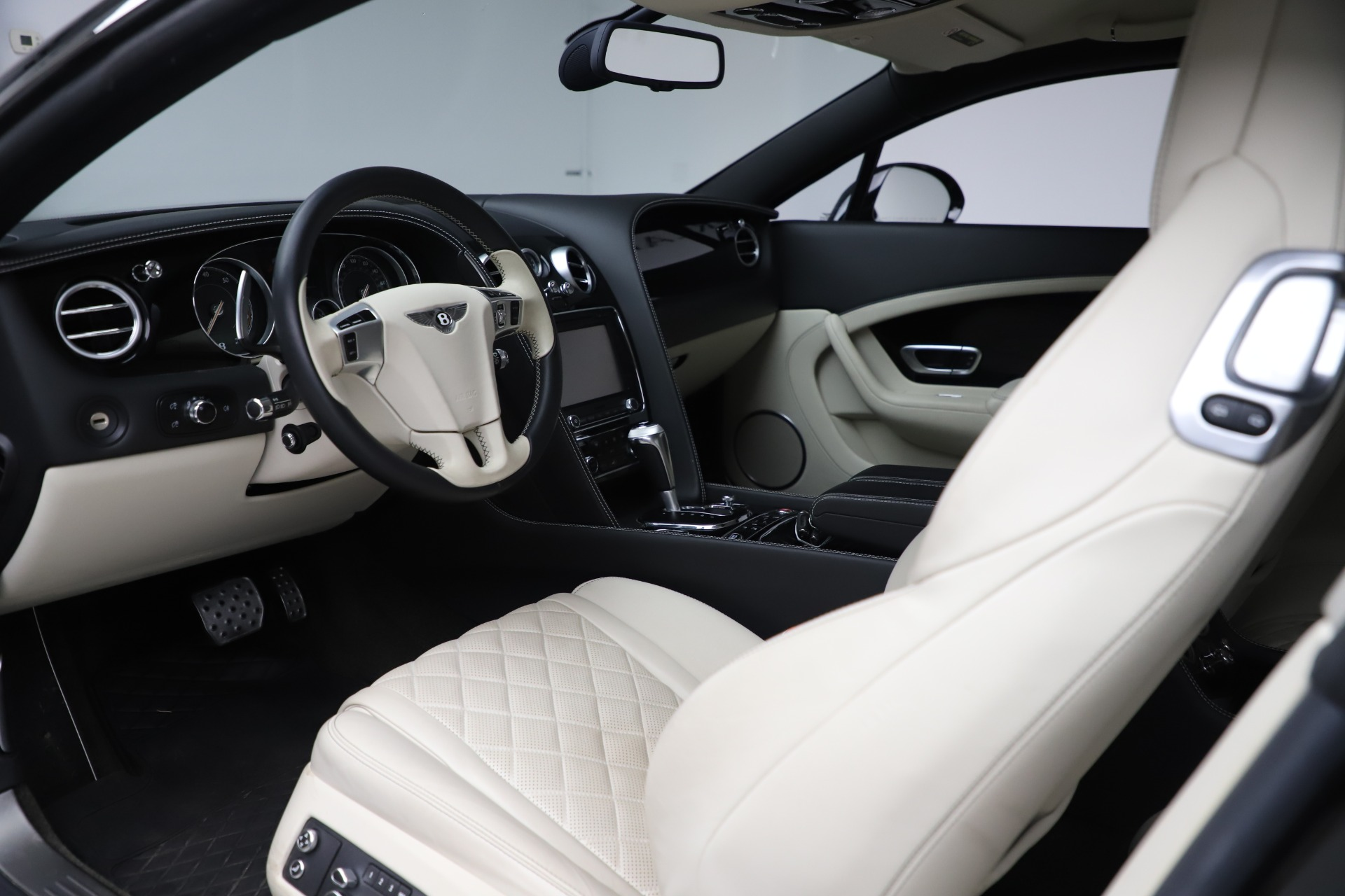 Used 2016 Bentley Continental GT W12 For Sale In Westport, CT 20_p16