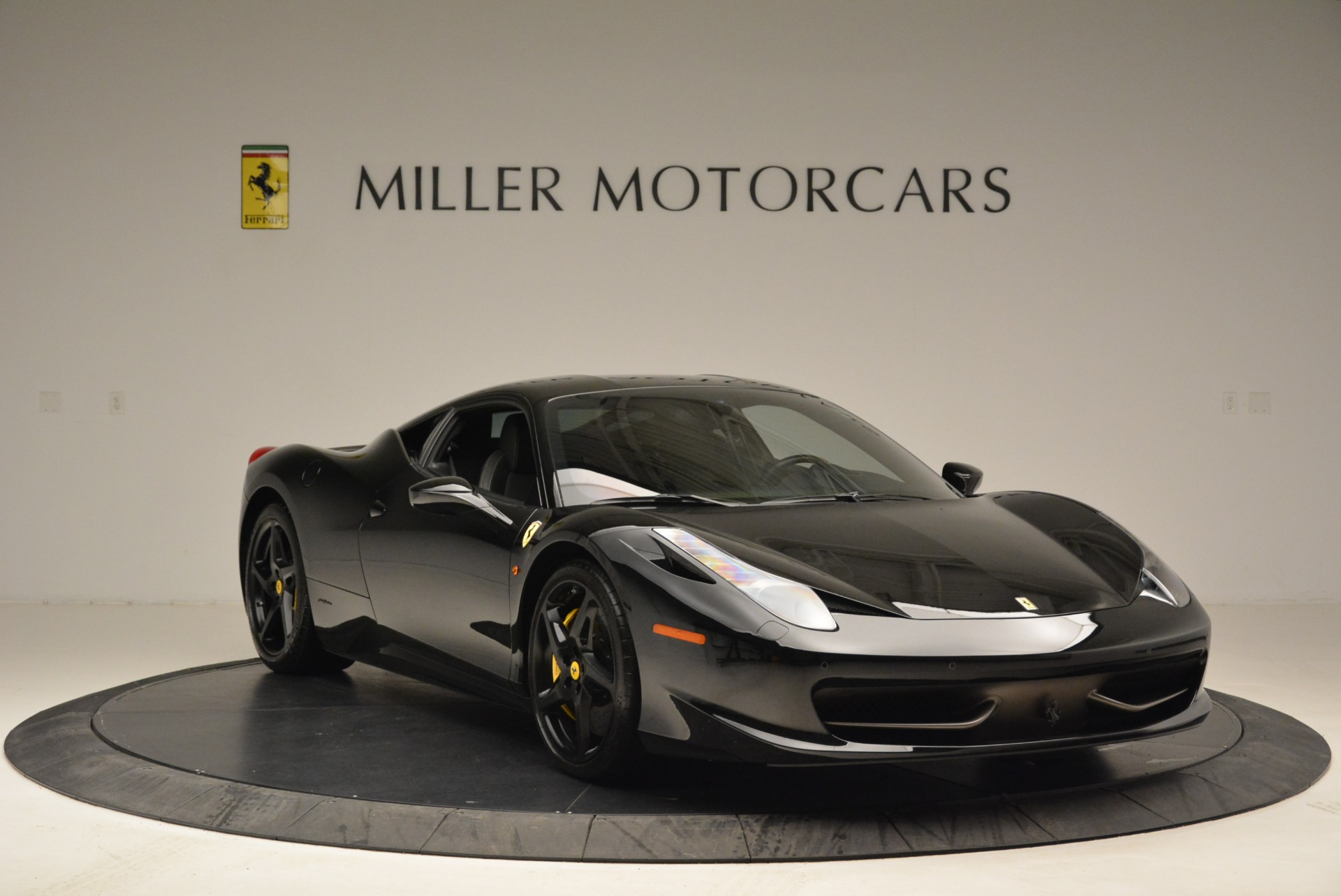 Used 2011 Ferrari 458 Italia  For Sale In Westport, CT 2018_p11