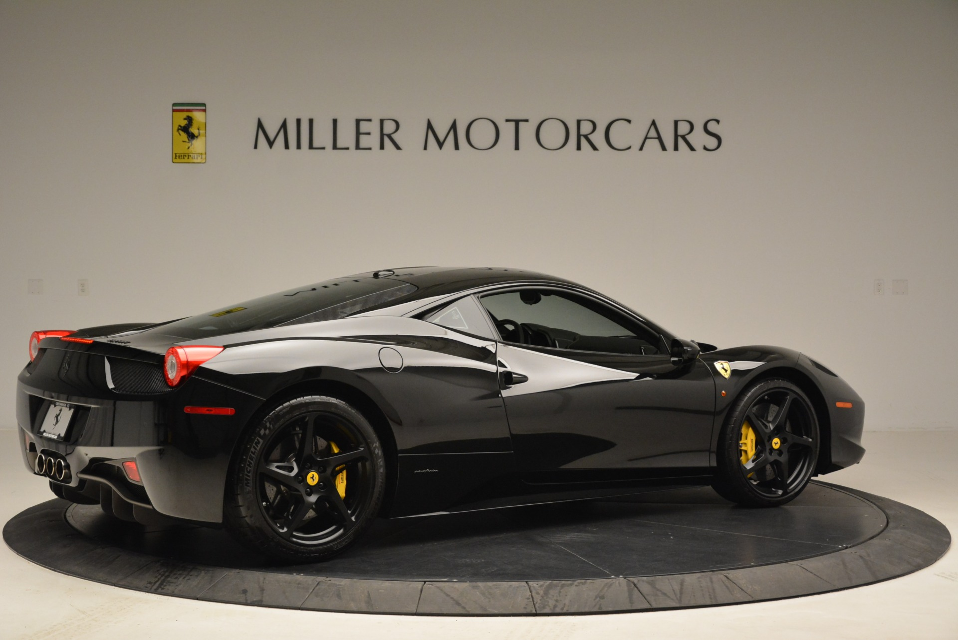 Used 2011 Ferrari 458 Italia  For Sale In Westport, CT 2018_p8