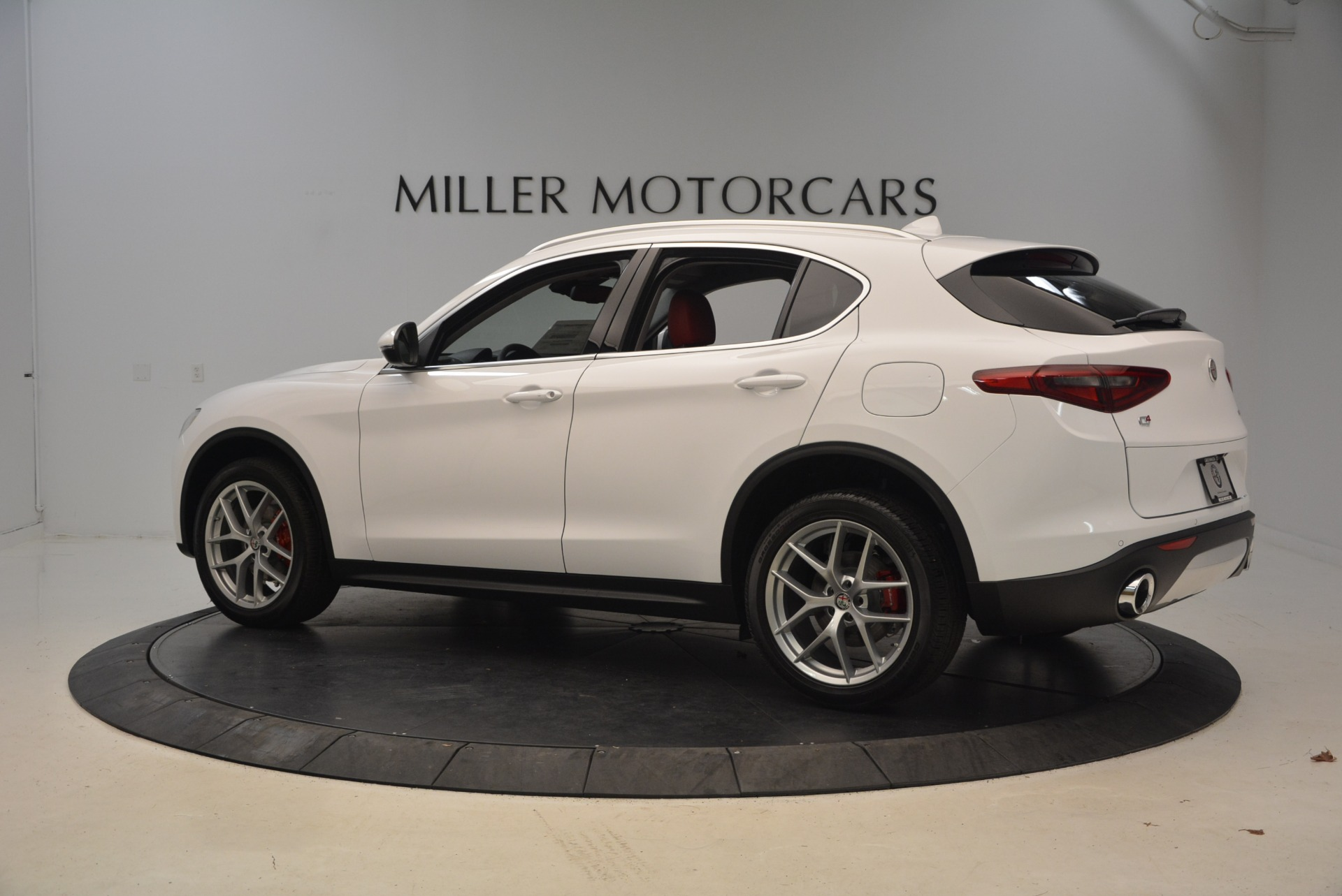 New 2018 Alfa Romeo Stelvio Ti Q4 For Sale In Westport, CT 2027_p4