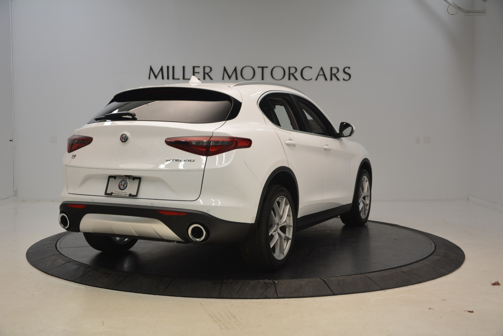 New 2018 Alfa Romeo Stelvio Ti Q4 For Sale In Westport, CT 2027_p7
