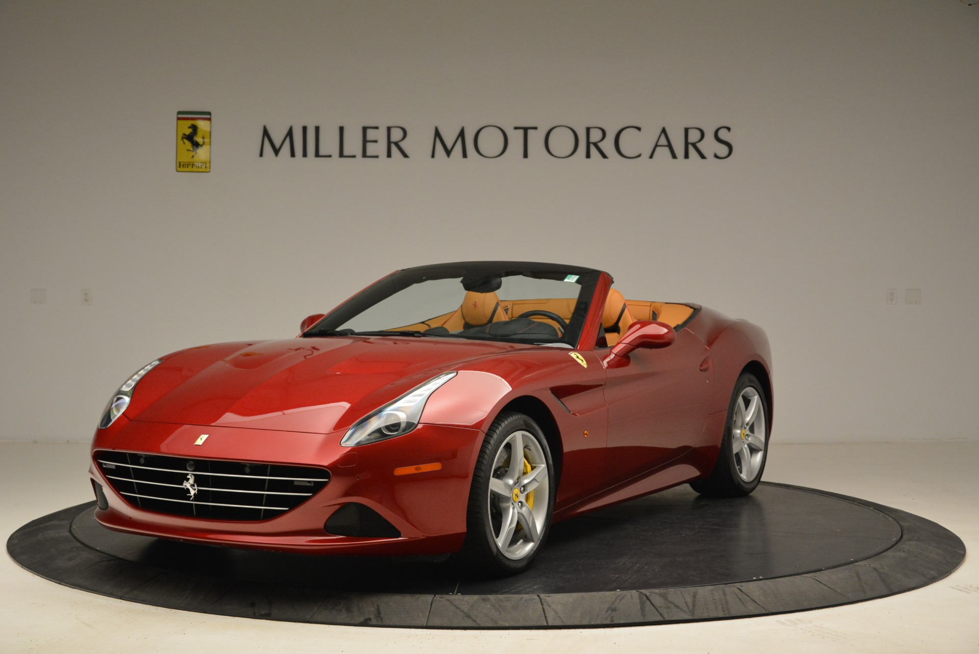 Used 2015 Ferrari California T  For Sale In Westport, CT 2033_main