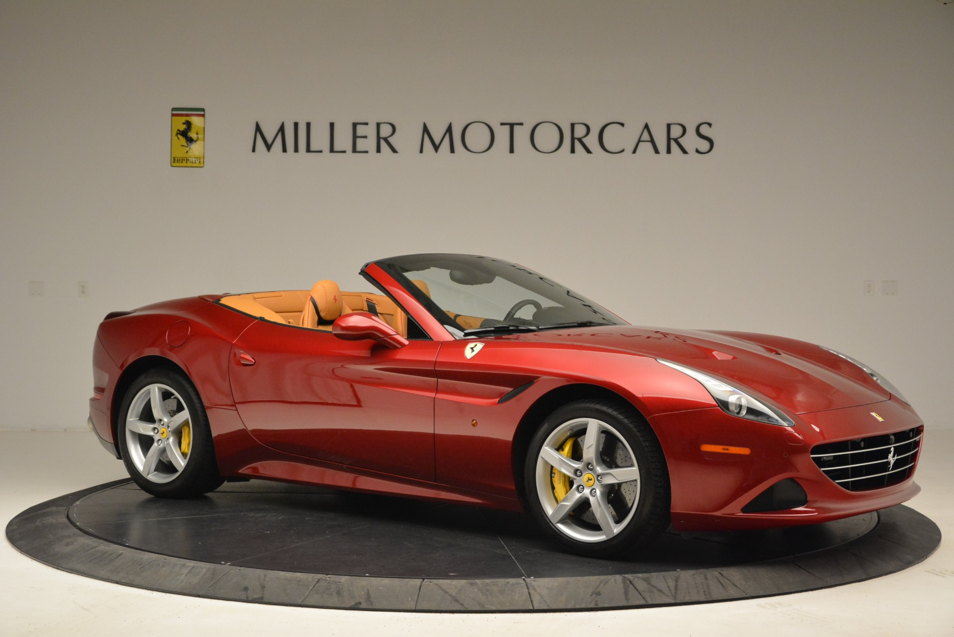 Used 2015 Ferrari California T  For Sale In Westport, CT 2033_p10