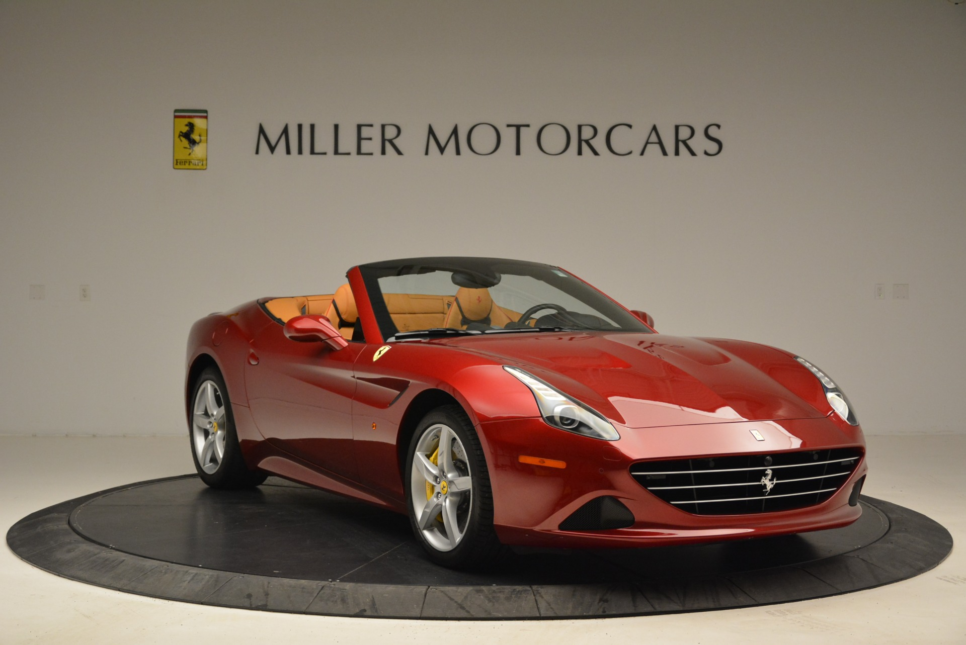 Used 2015 Ferrari California T  For Sale In Westport, CT 2033_p11
