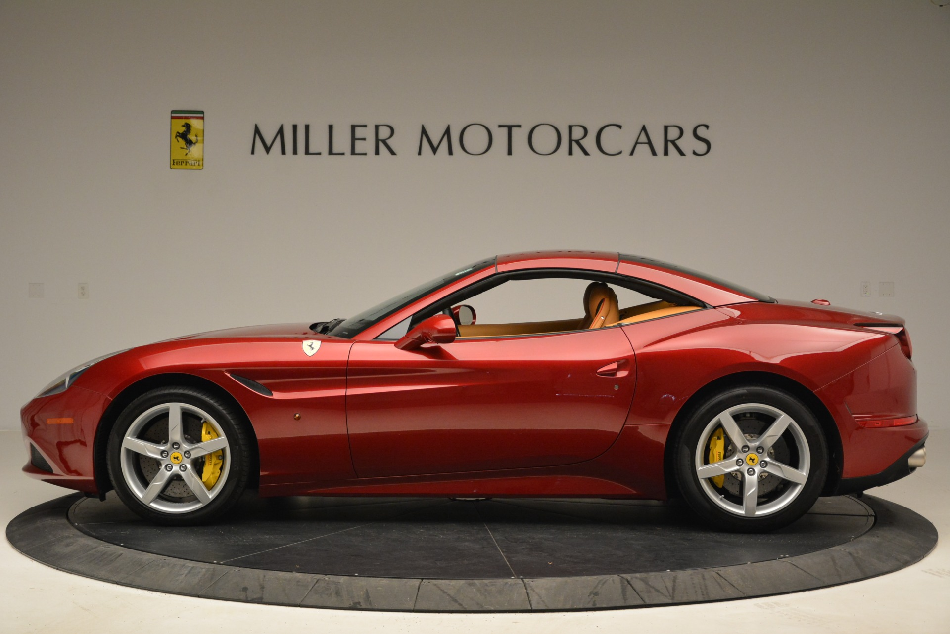 Used 2015 Ferrari California T  For Sale In Westport, CT 2033_p15