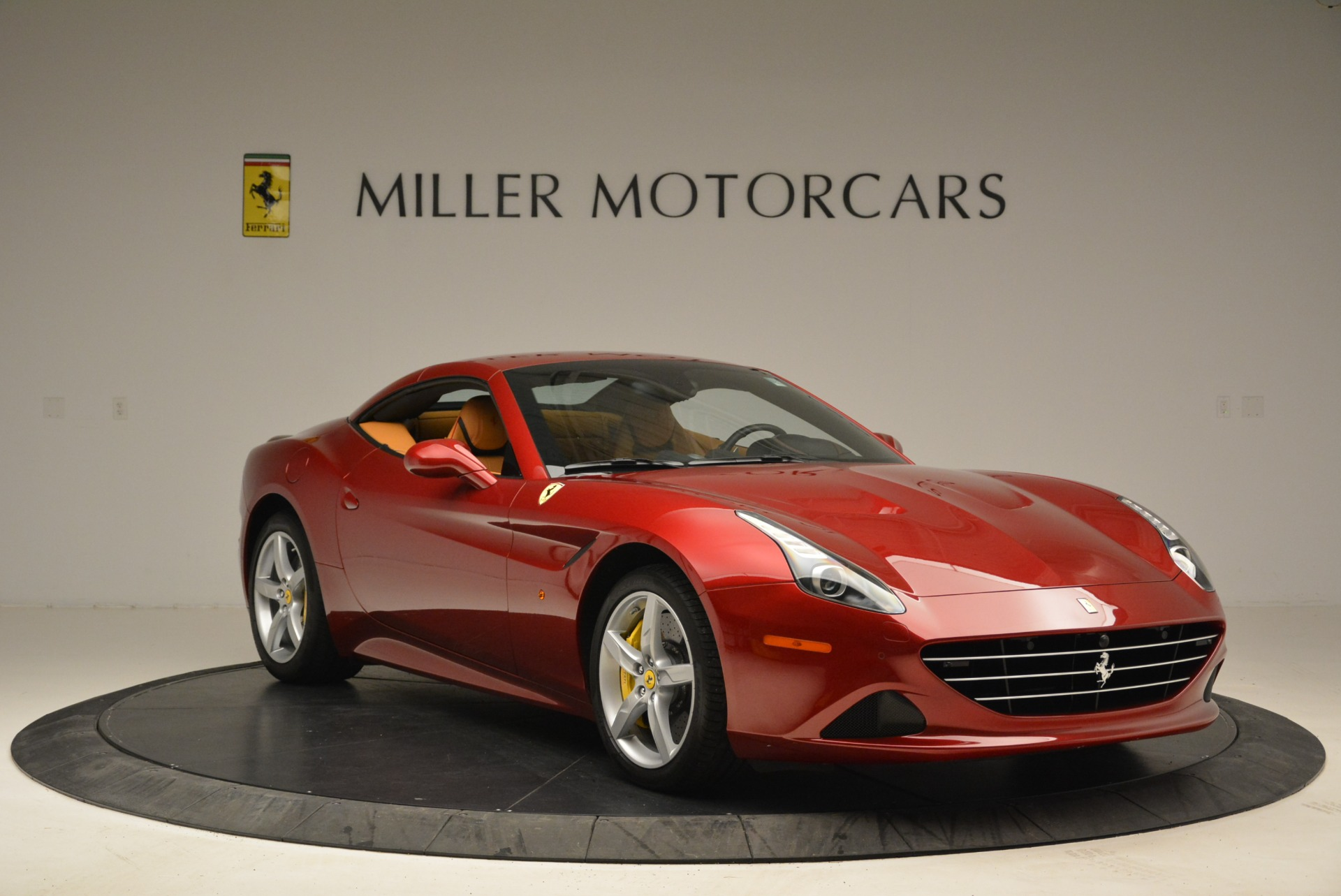 Used 2015 Ferrari California T  For Sale In Westport, CT 2033_p23