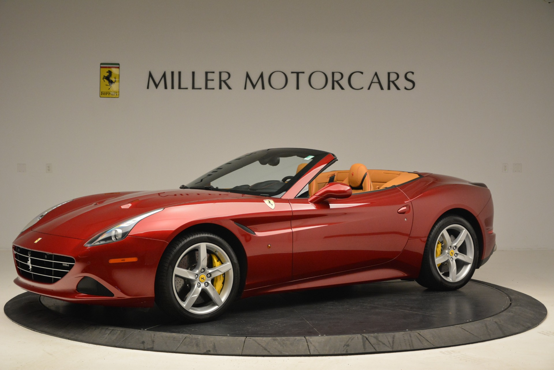 Used 2015 Ferrari California T  For Sale In Westport, CT 2033_p2